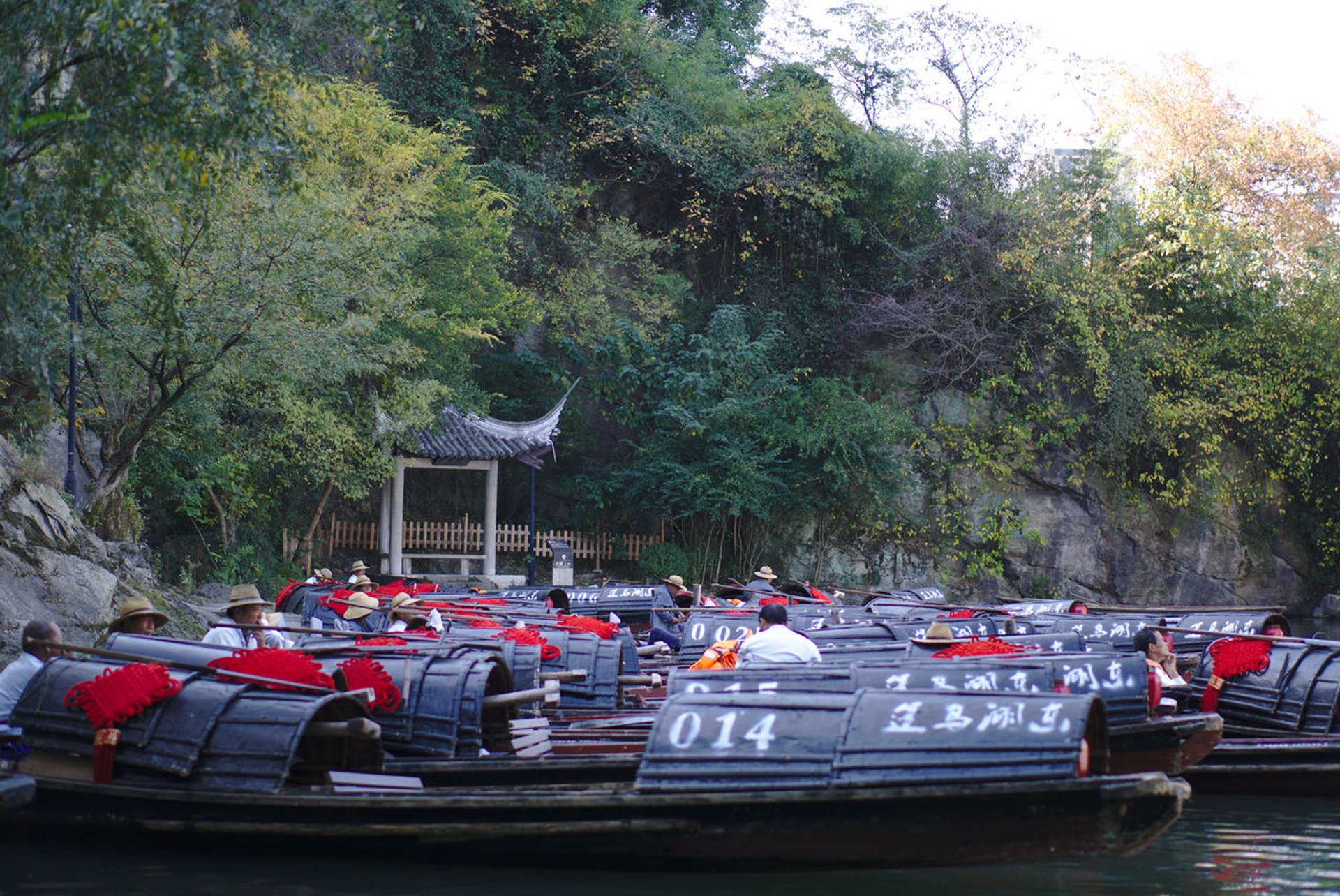 Best time to see Shaoxing Wupeng Boat in China 2020