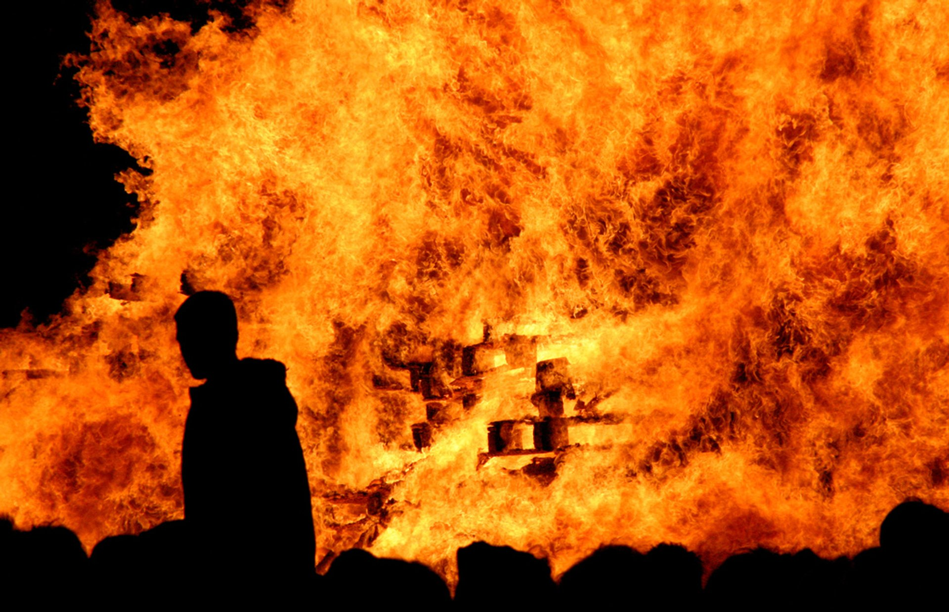 Best time for Lewes Bonfire Night in England 2019