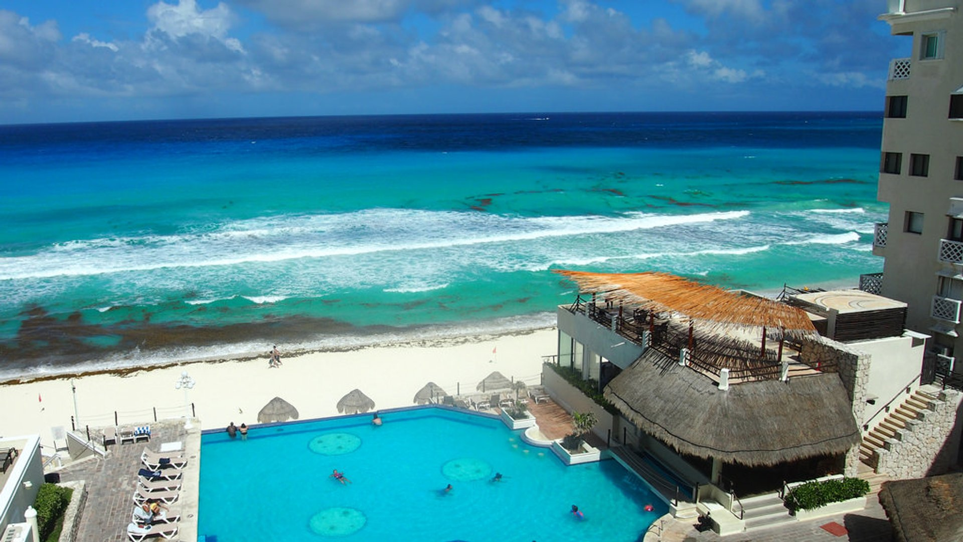 Rain and Hurricane Season (Summer) in Cancun - Best Season