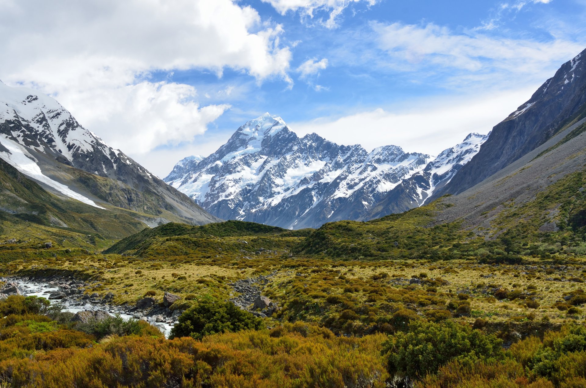 Climbing Mount Cook in New Zealand - Best Time