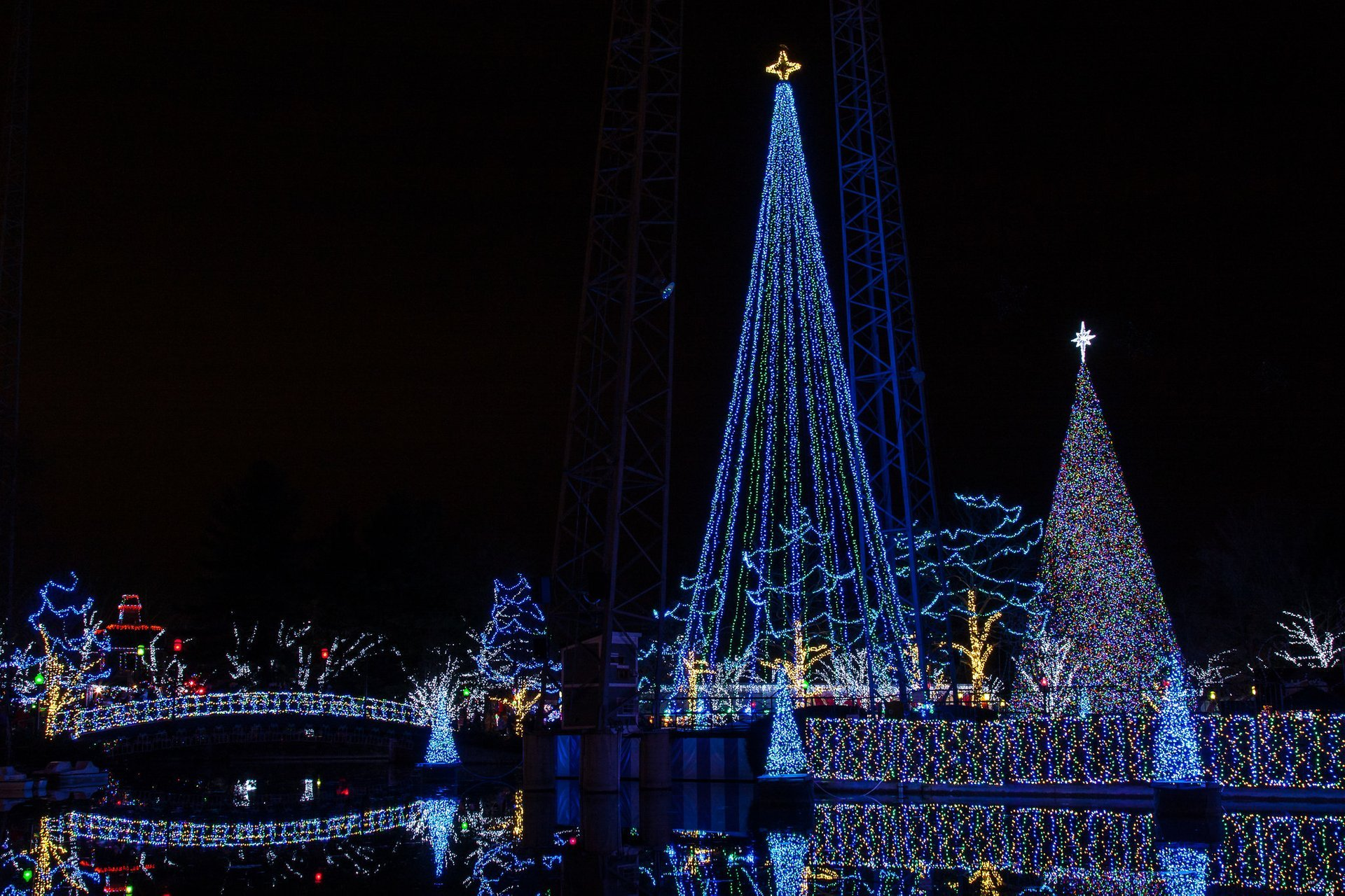 Kennywood Holiday Lights in Pennsylvania 2020 - Best Time