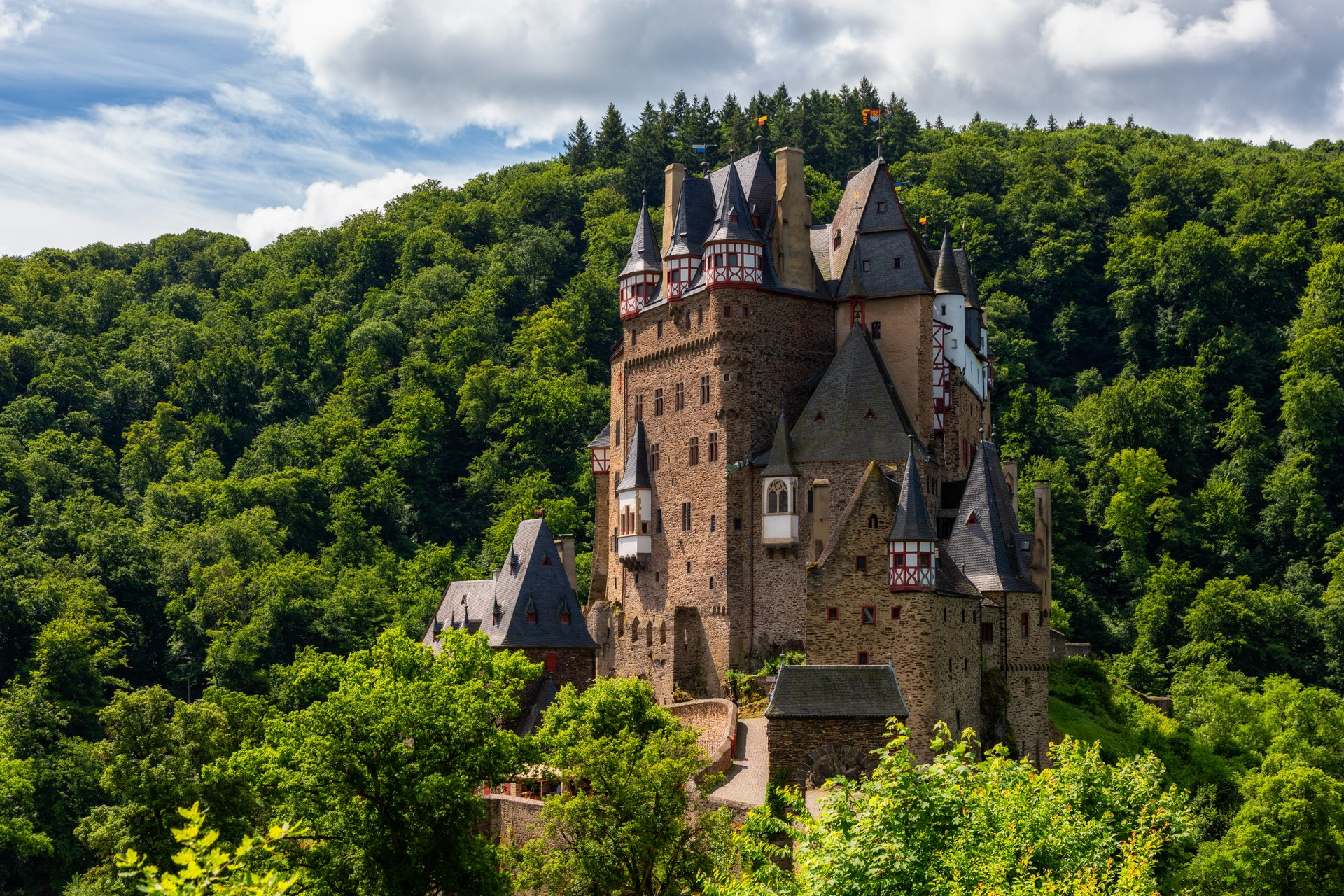 Eltz Castle in Germany - Best Season