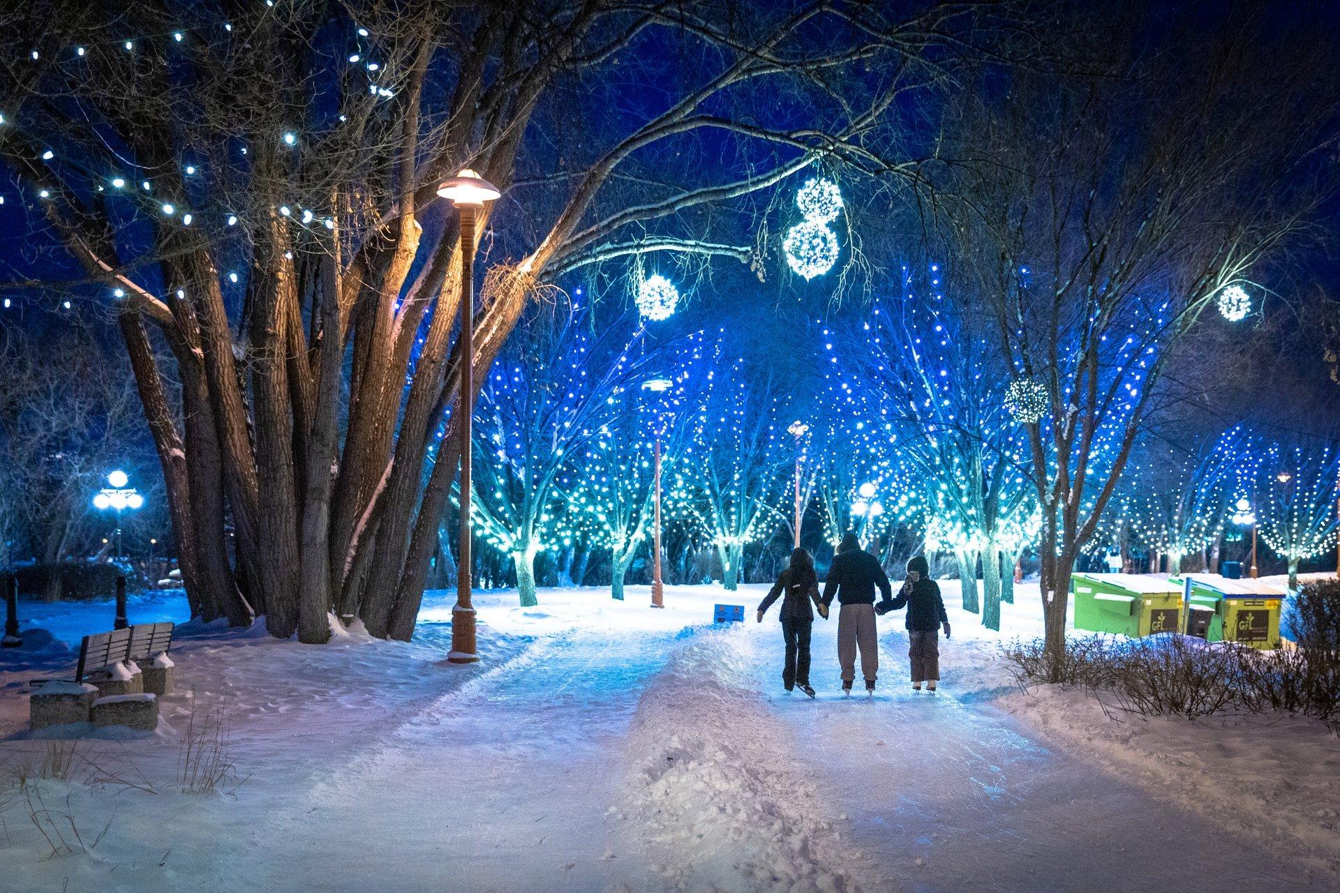 Christmas Lights in Winnipeg 2020 - Best Time