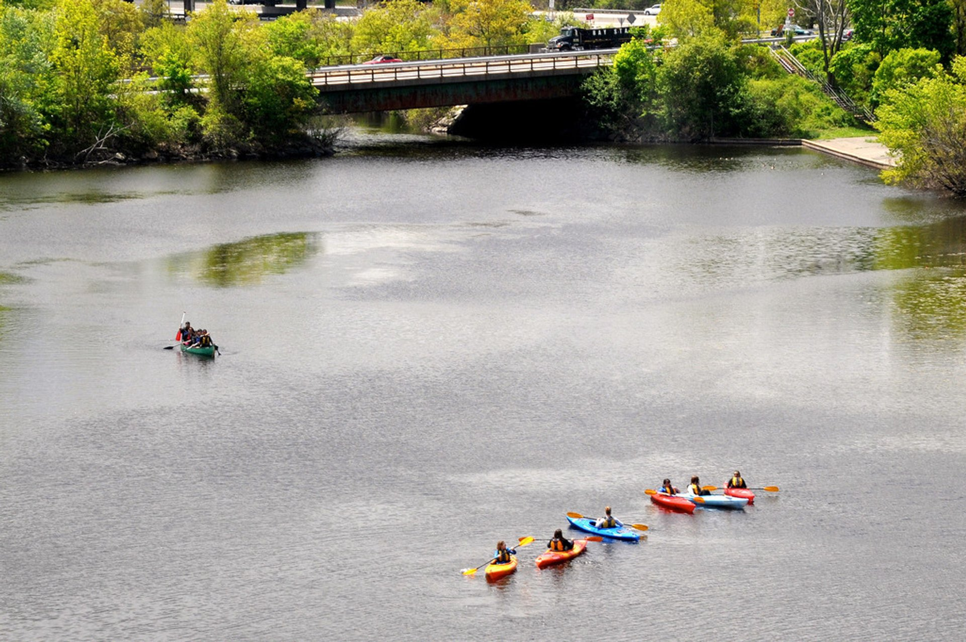 Charles River Kayaking in Boston - Best Season 2019