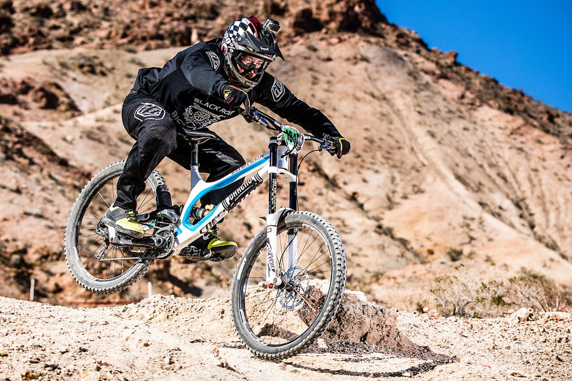 Mountain Biking around Lake Mead in Nevada 2020 - Best Time