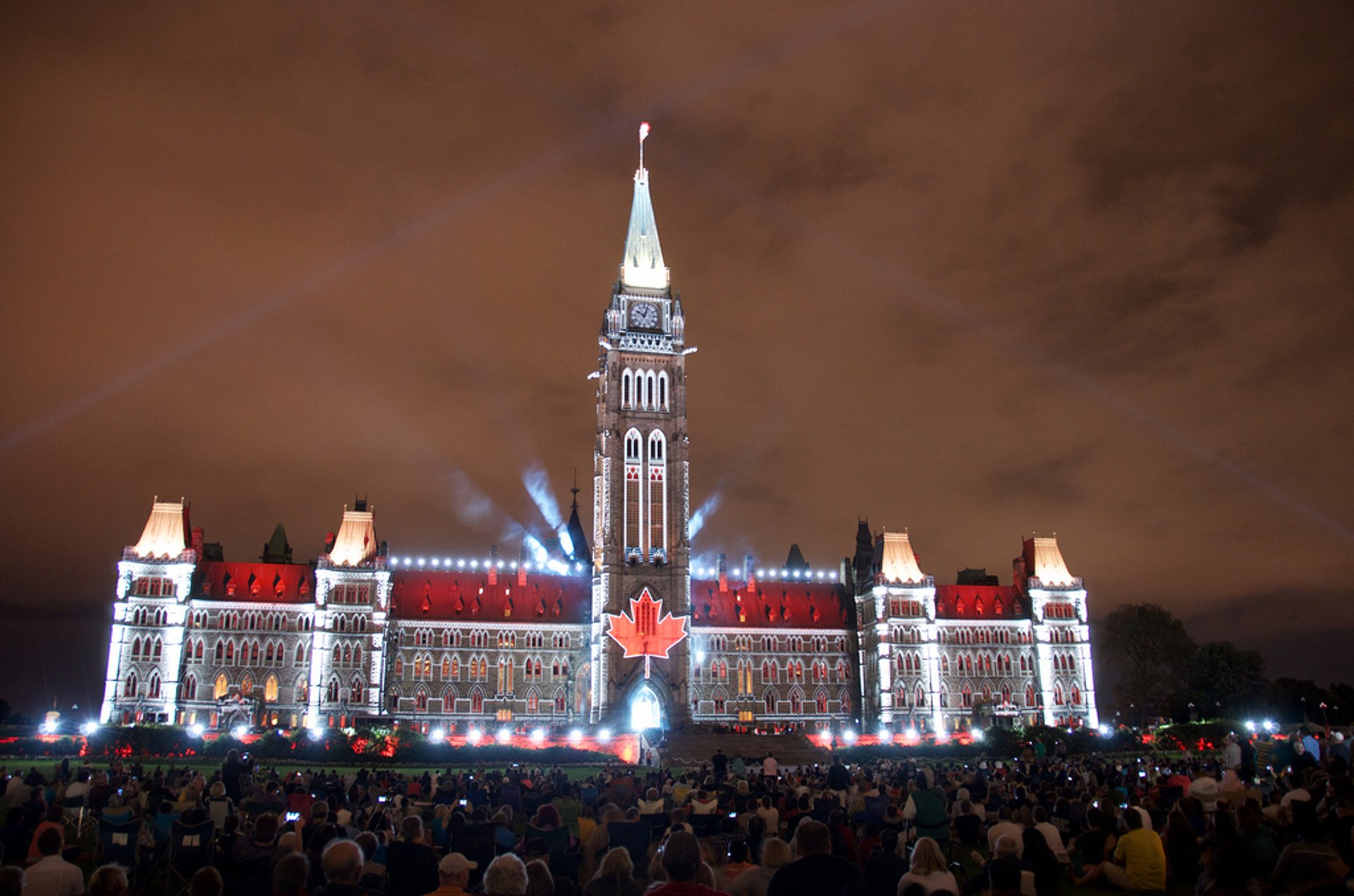 Sound and Light Show on Parliament Hill in Ottawa - Best Season 2020