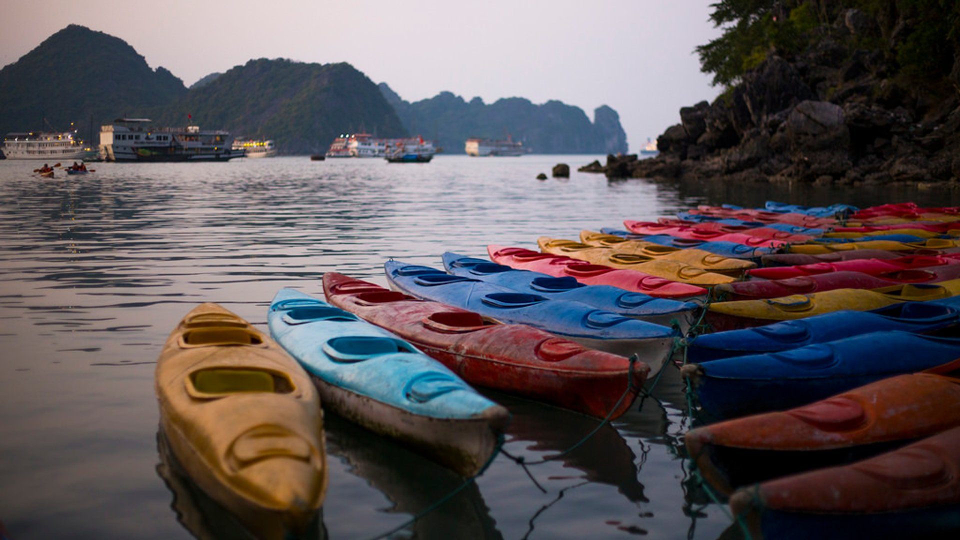 Best time to see Kayaking in Laos 2020