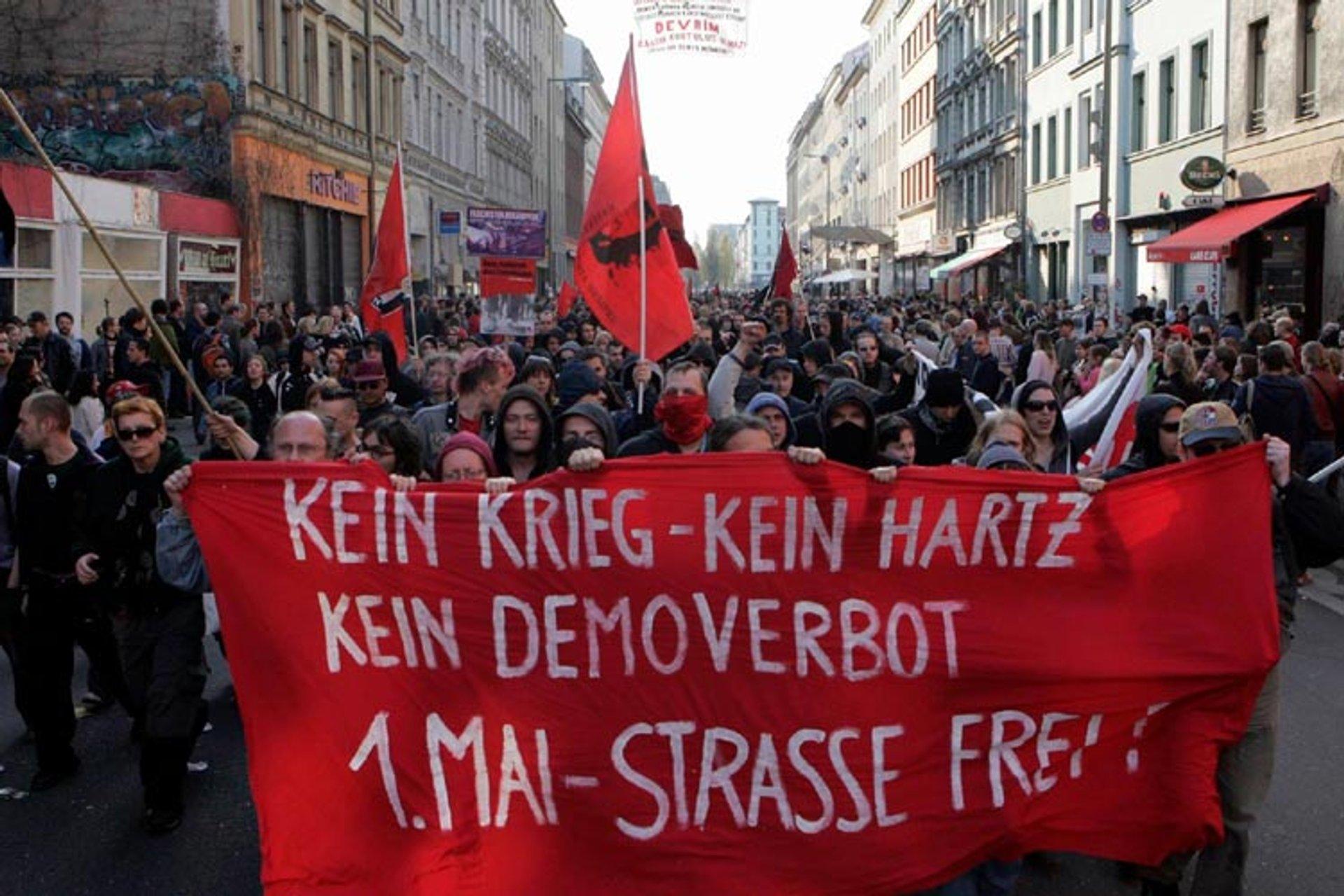 Revolutionary May 1 Demonstration 2006 Oranienstraße in Berlin-Kreuzberg, undeclared spontaneous demonstration 2020