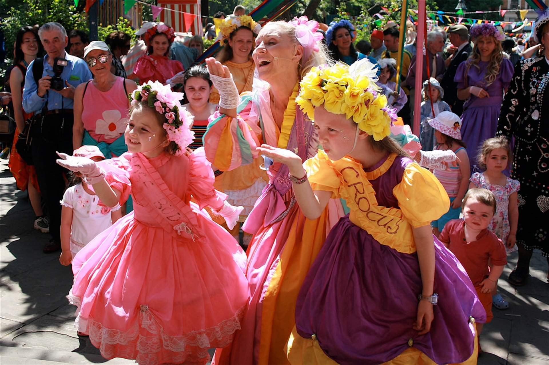 Covent Garden May Fayre and Puppet Festival in London - Best Season 2020