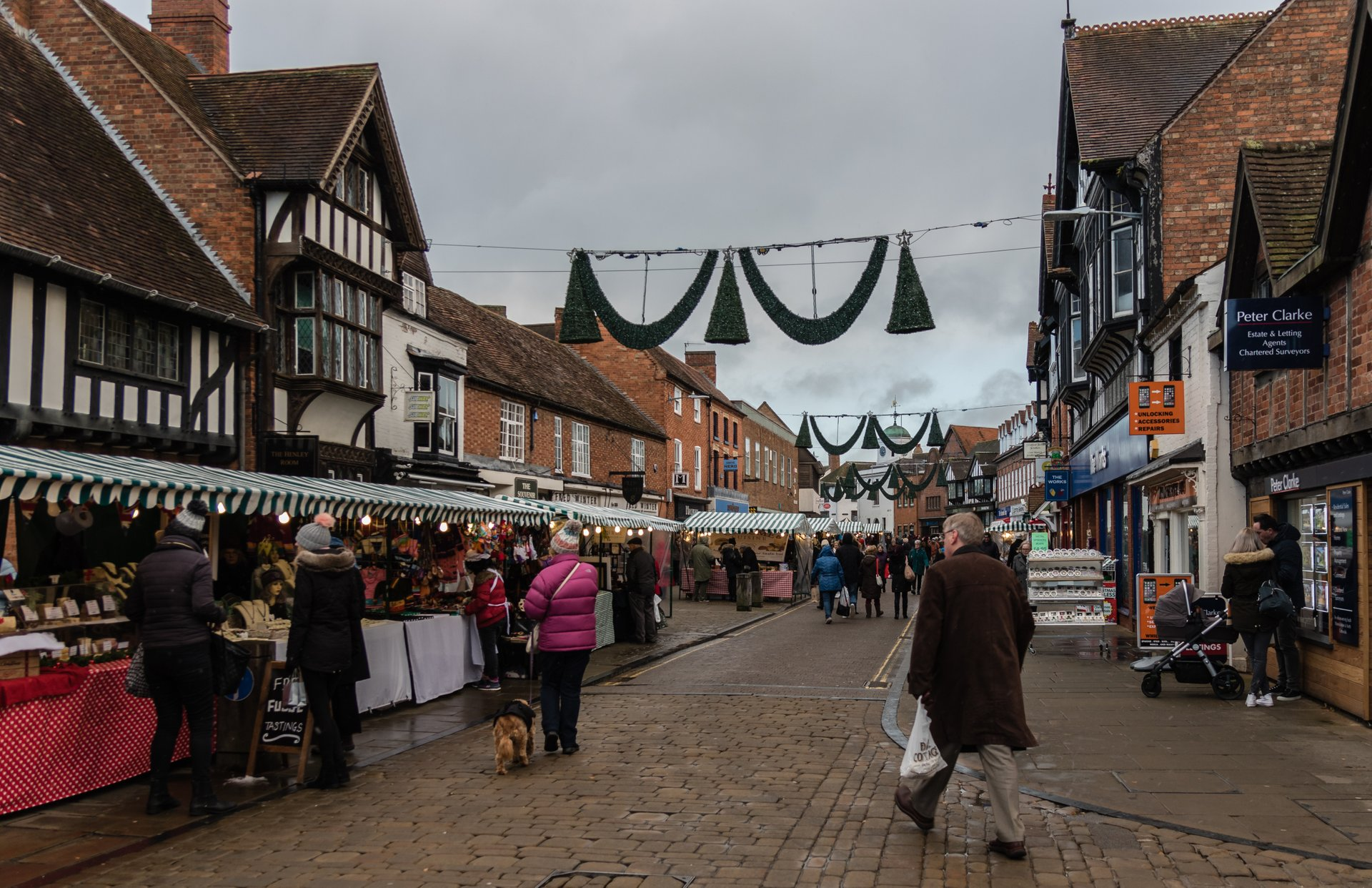 Stratford-upon-Avon Christmas Lights and Victorian Market on Henley Street 2020