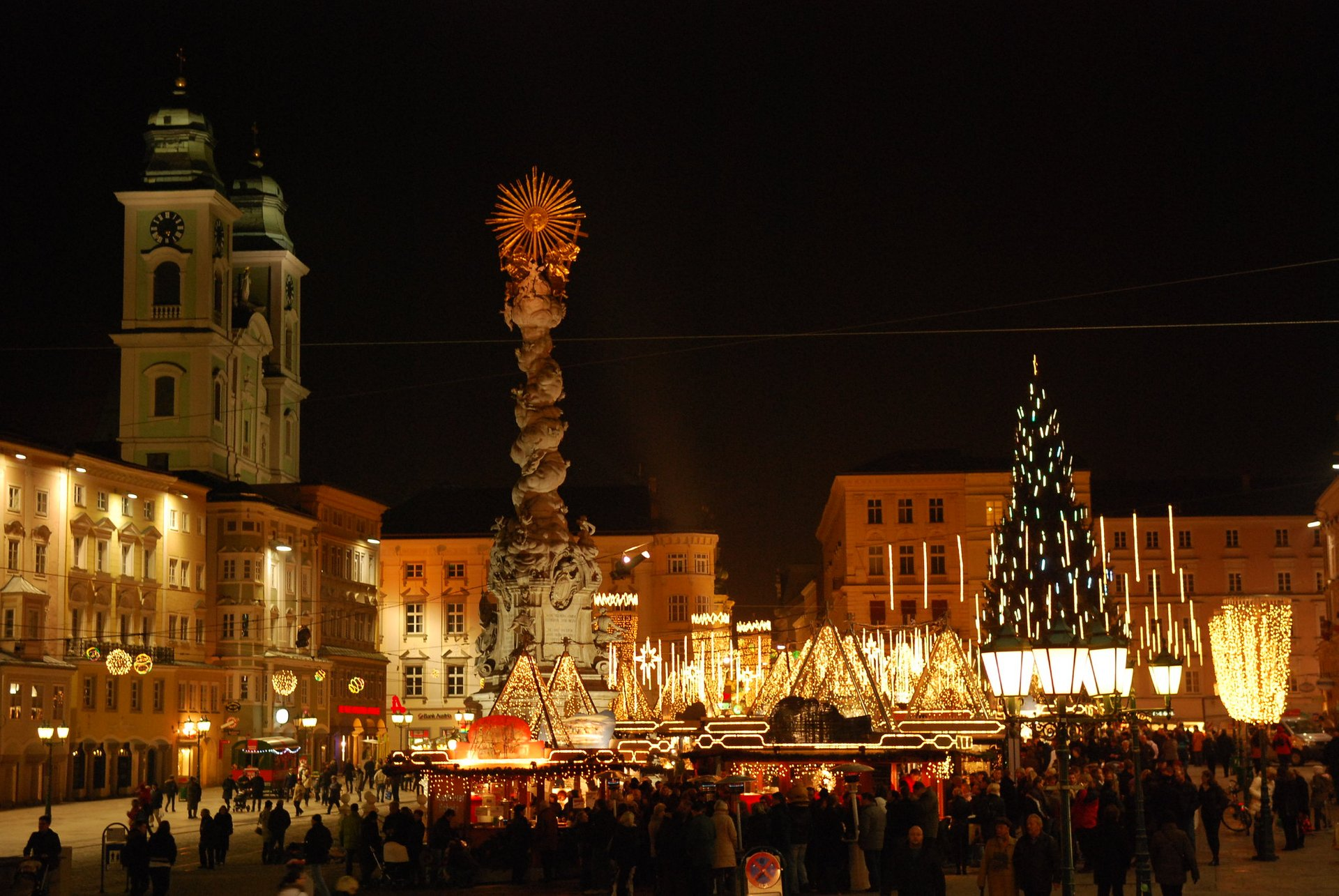Christkindlmarkt am Hauptplatz Linz 2020