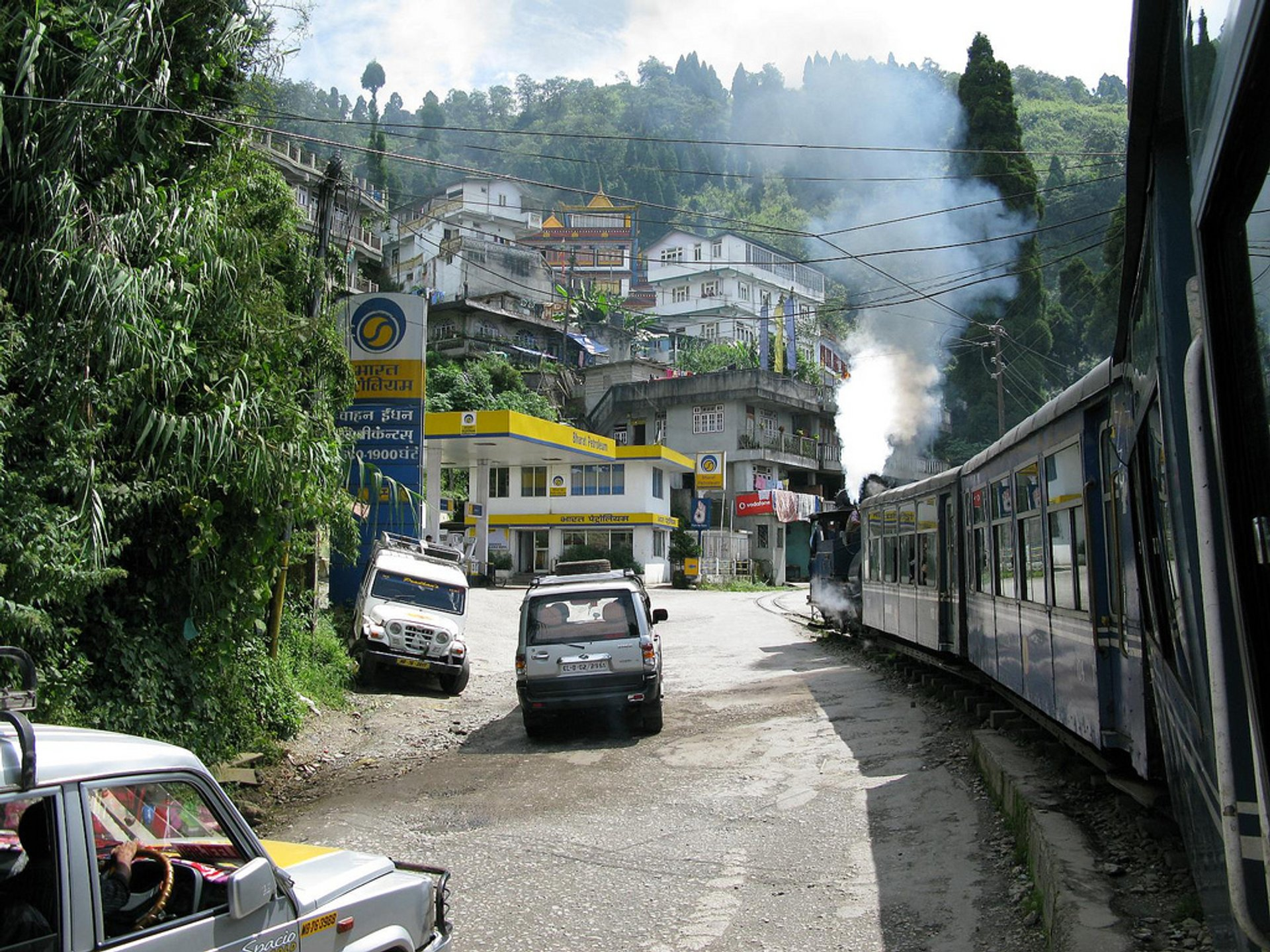 Darjeeling Himalayan Railway in India - Best Season 2019
