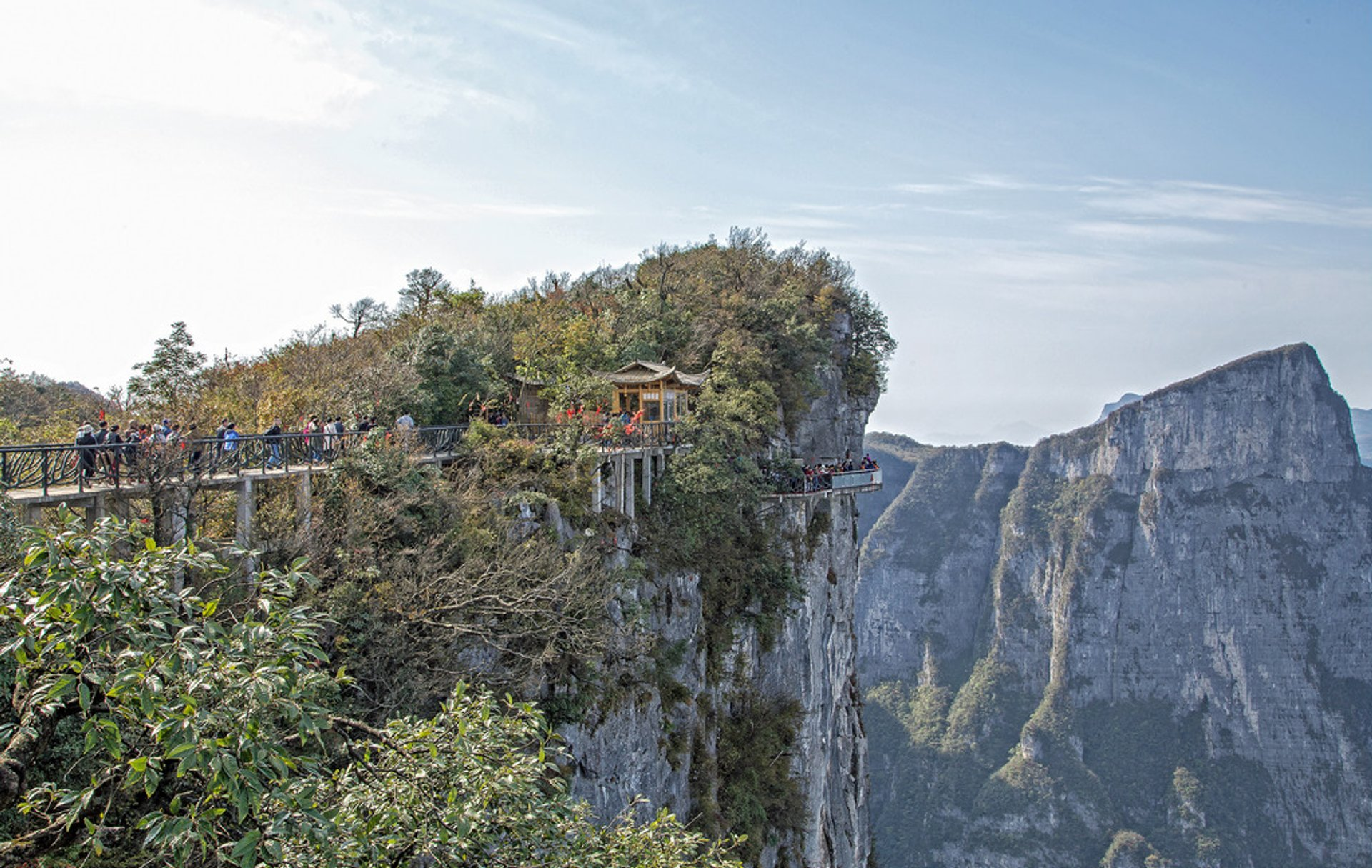 Best time for Glass Plank Road at Tianmen Mountain in China 2020