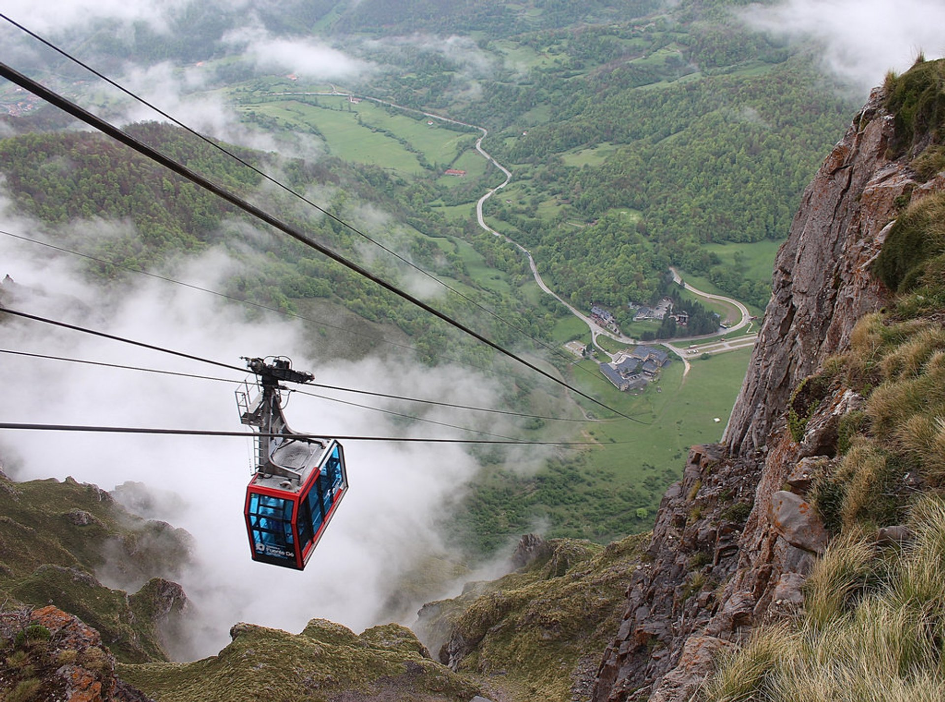 Fuente Dé Cable Car in Spain - Best Season 2020