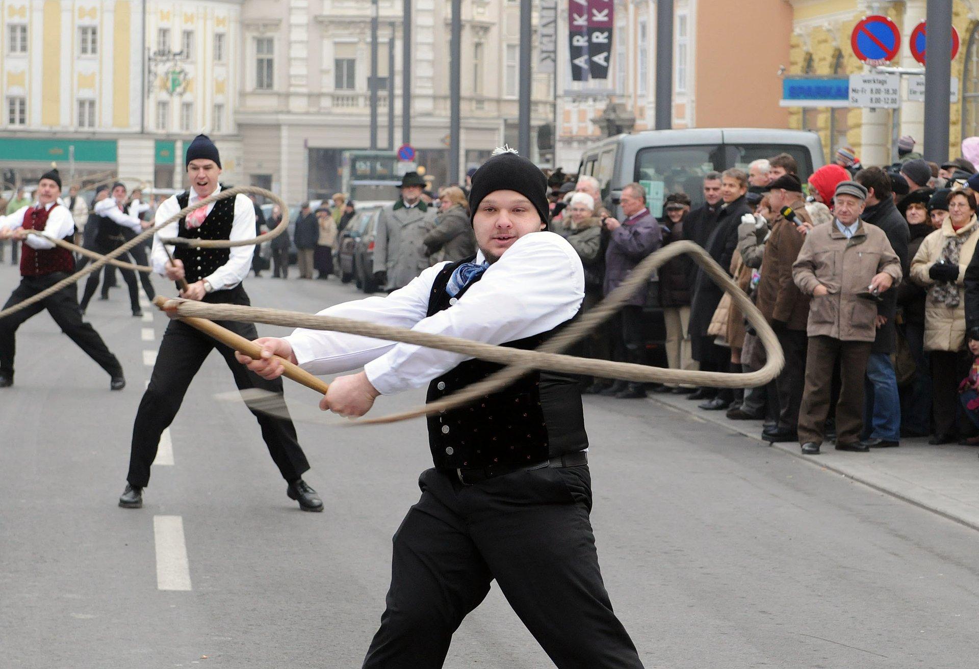 Aperschnalzen in Austria 2020 - Best Time