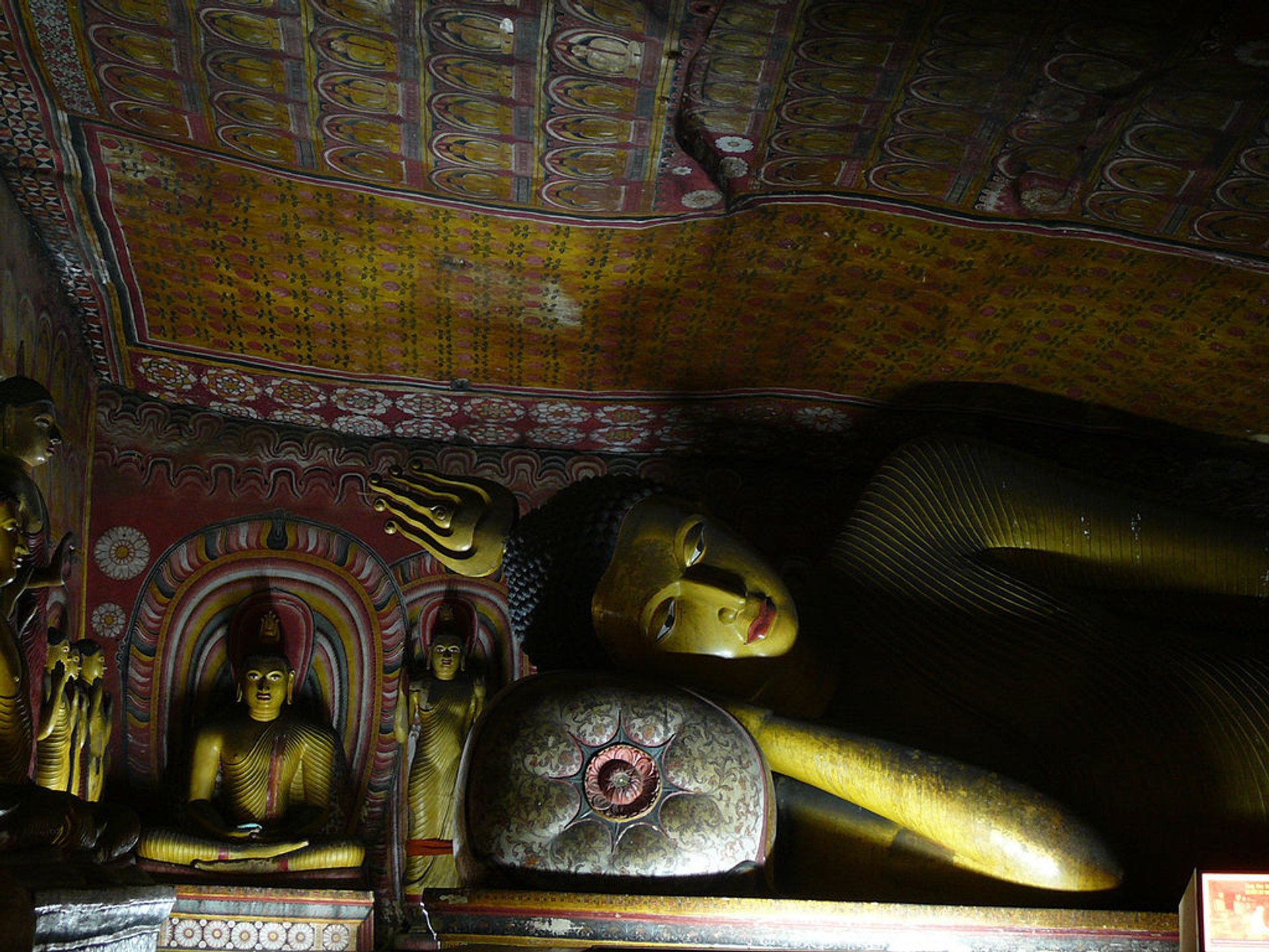 Image of a reclining Buddha in Dambulla complex of cave monasteries 2019