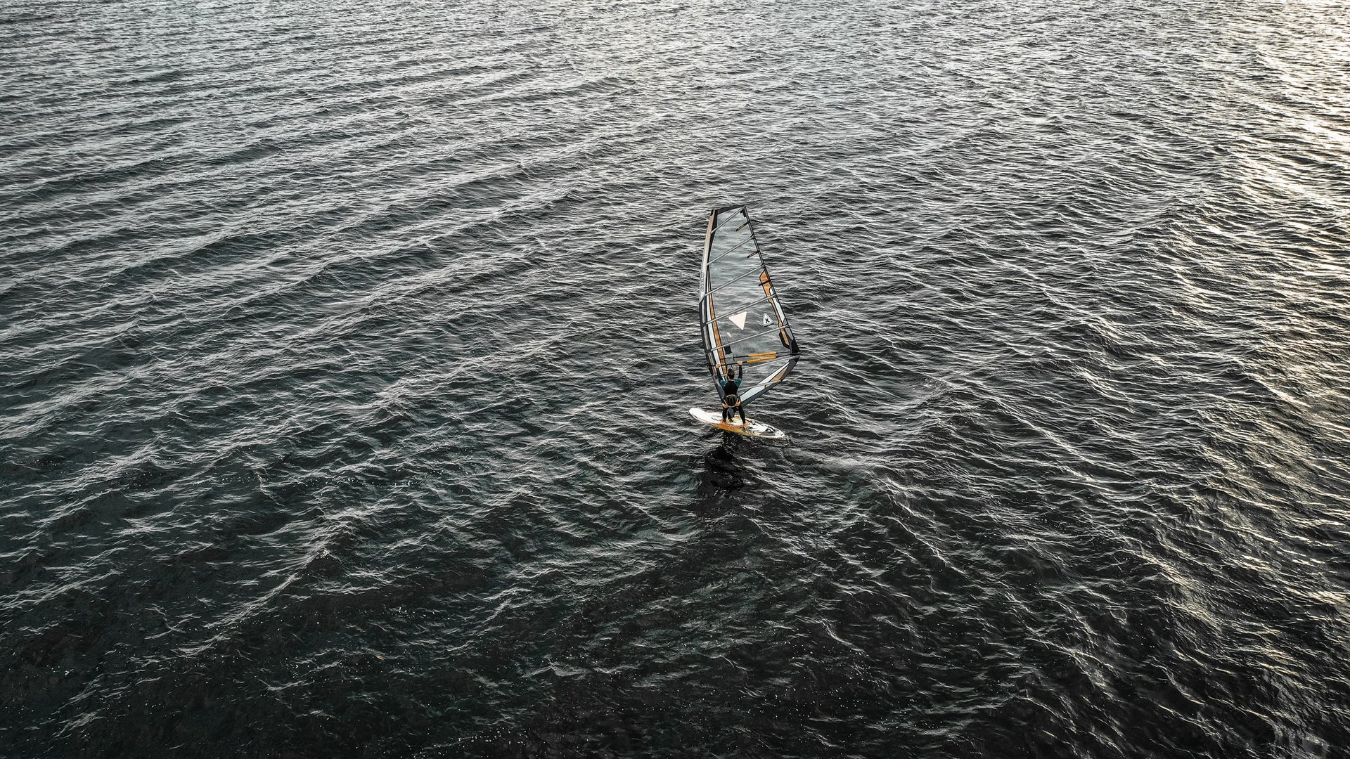 Windsurfing in Madrid 2020 - Best Time