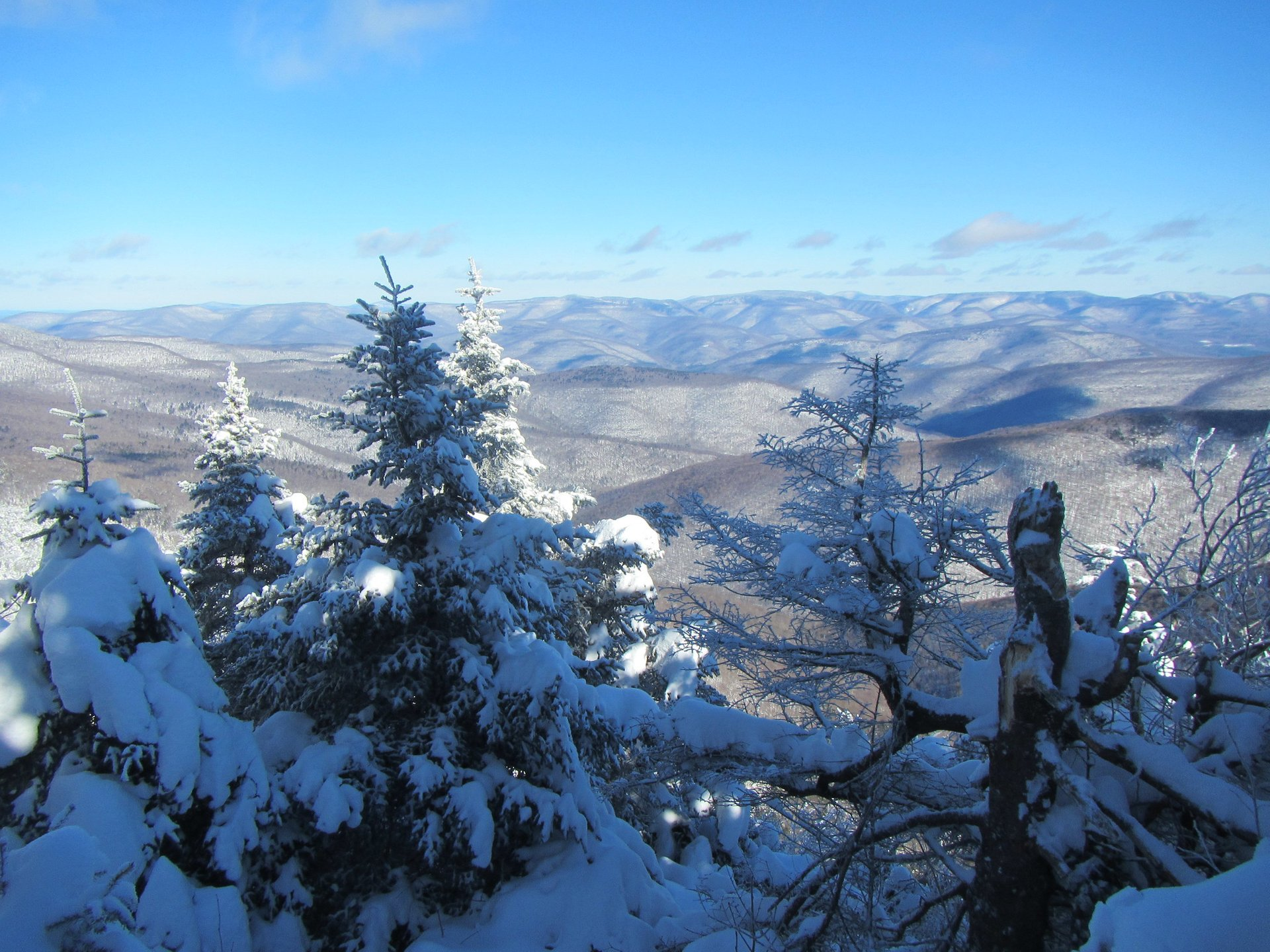 Skiing and Snowboarding in The Catskill Mountains  in New York State 2020 - Best Time