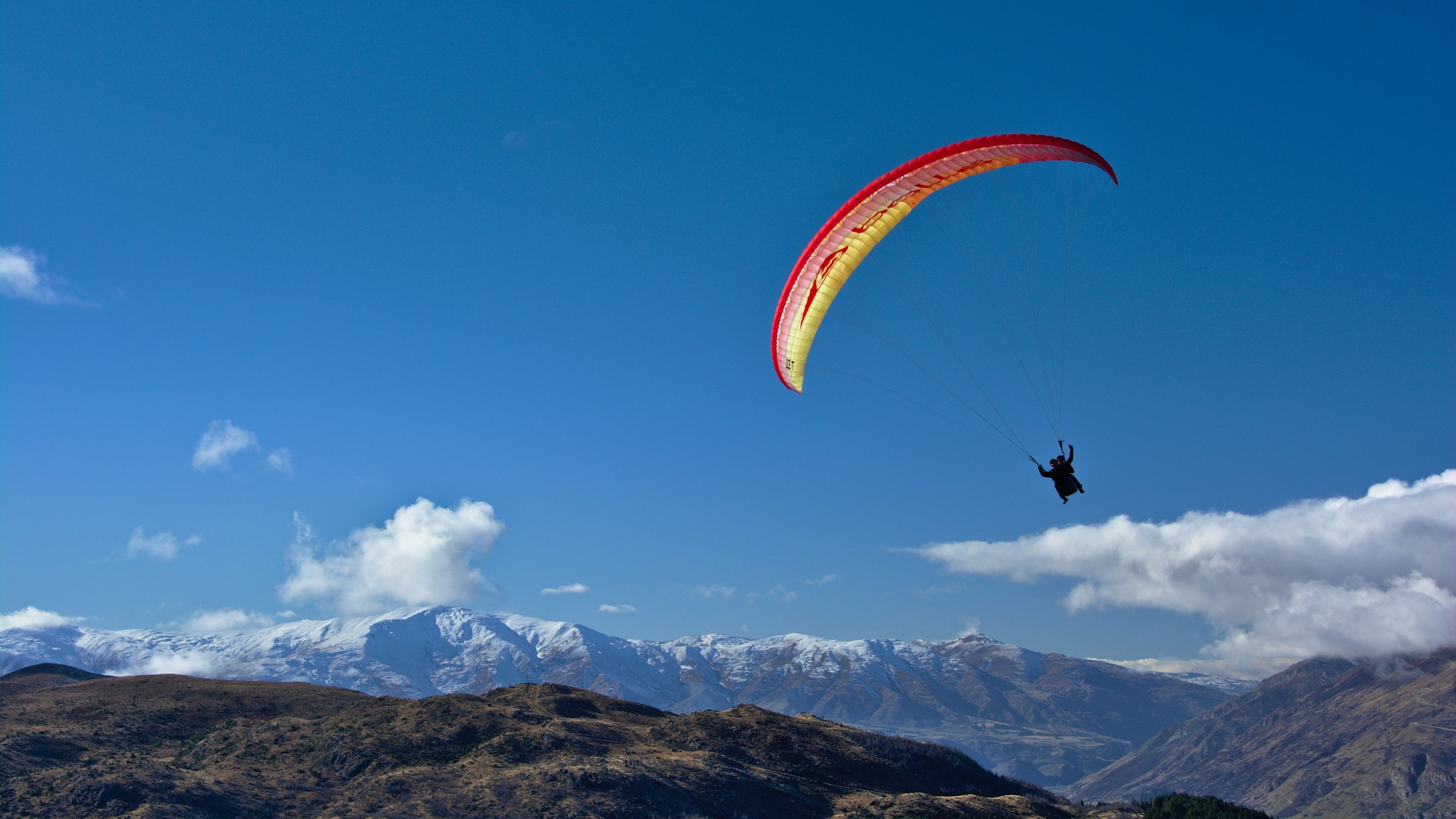 Paragliding in New Zealand 2020 - Best Time