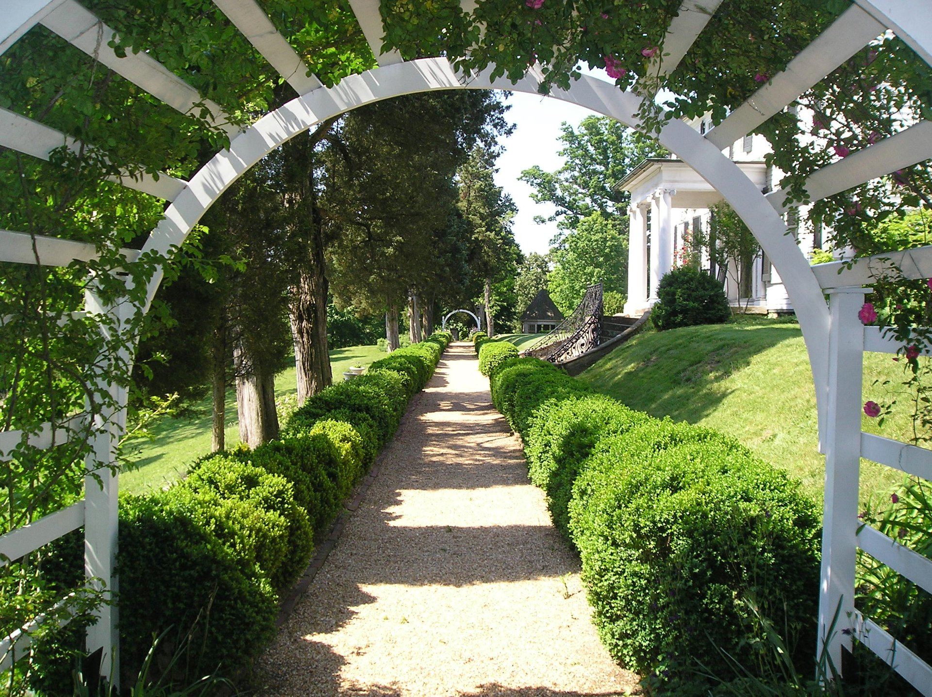 Best time to see Historic Garden Week 2020