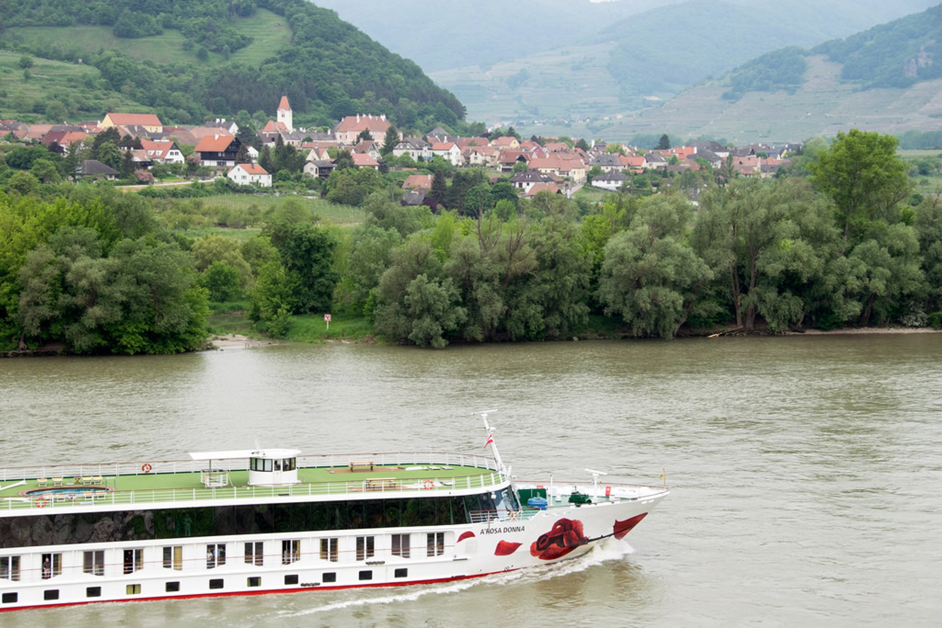 Best time for Danube Boat Trip in Austria 2020