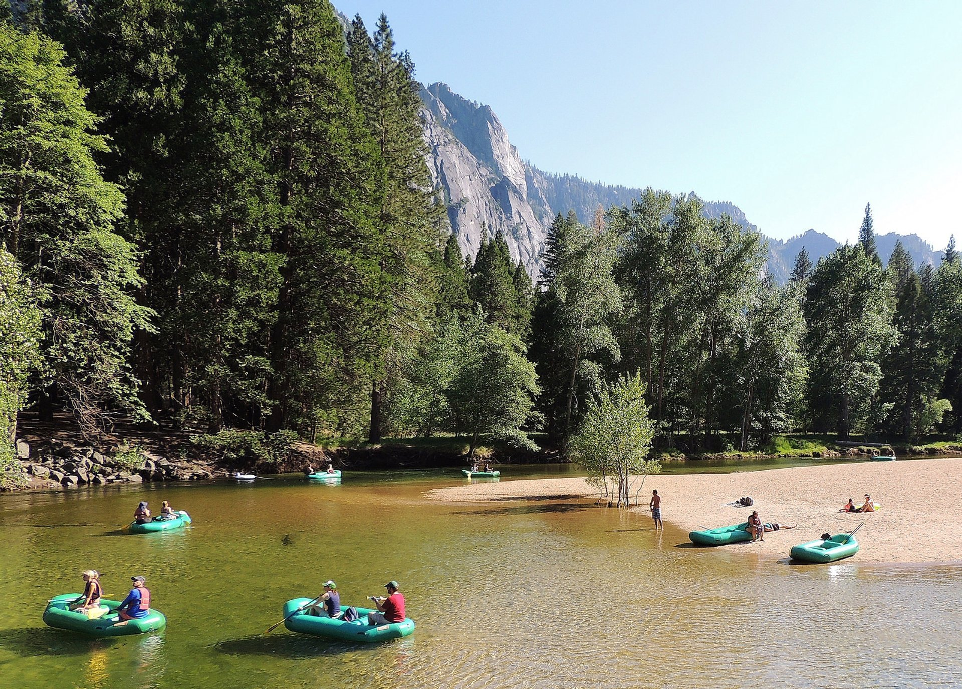 Best time for Kayaking and Canoeing the Merced River in Yosemite 2019