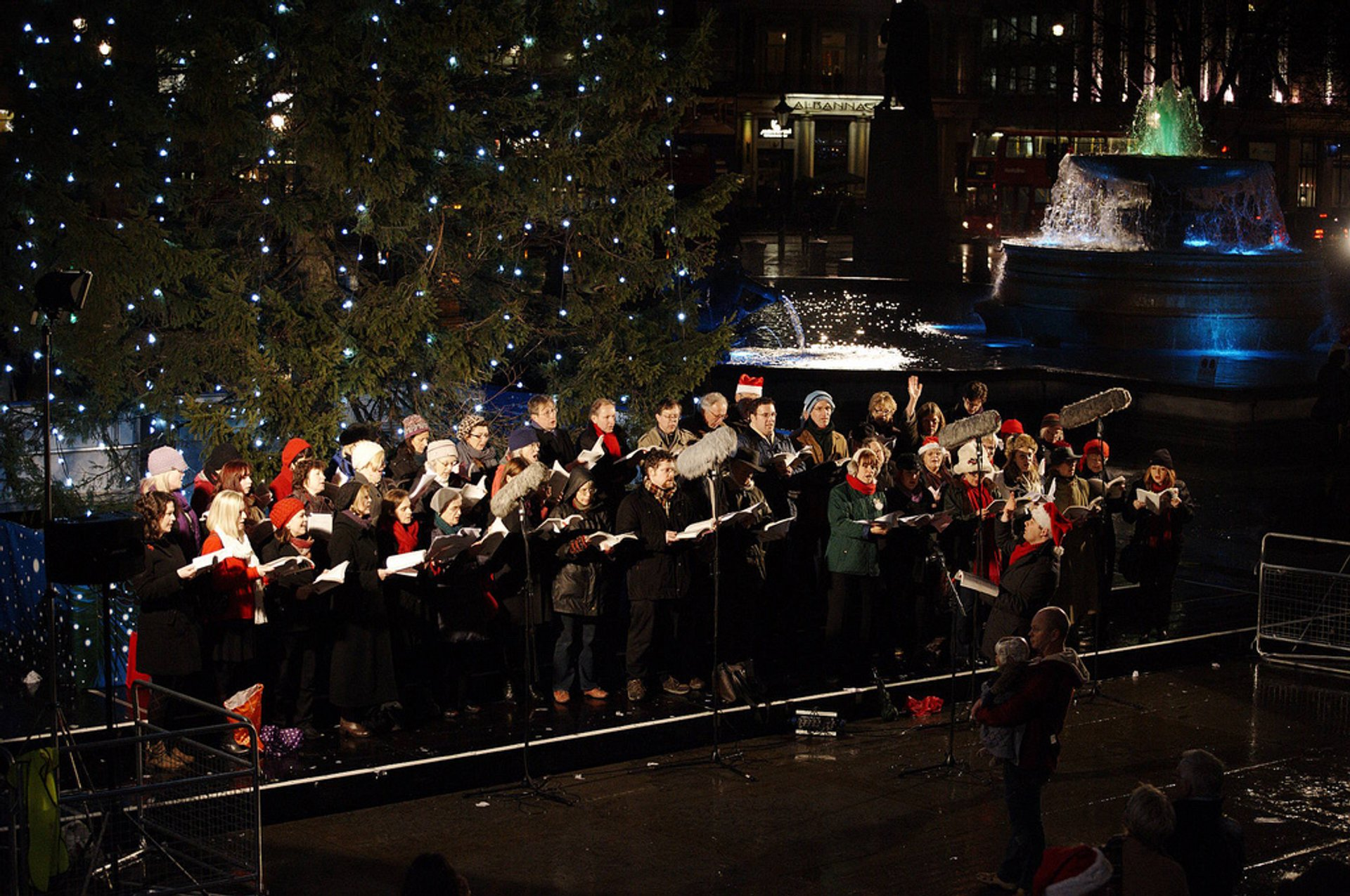 Christmas Carols in London 2019 - Best Time