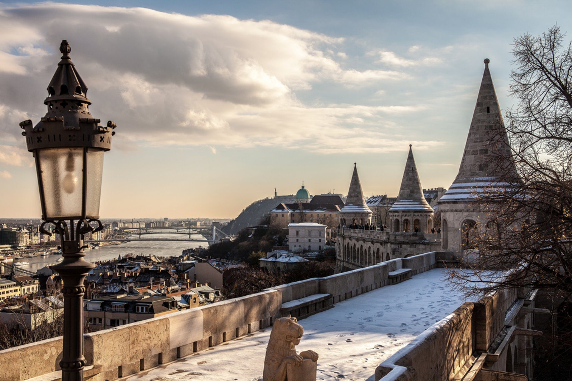 Winter Wonderland at the Fisherman's Bastion in Budapest - Best Season 2020