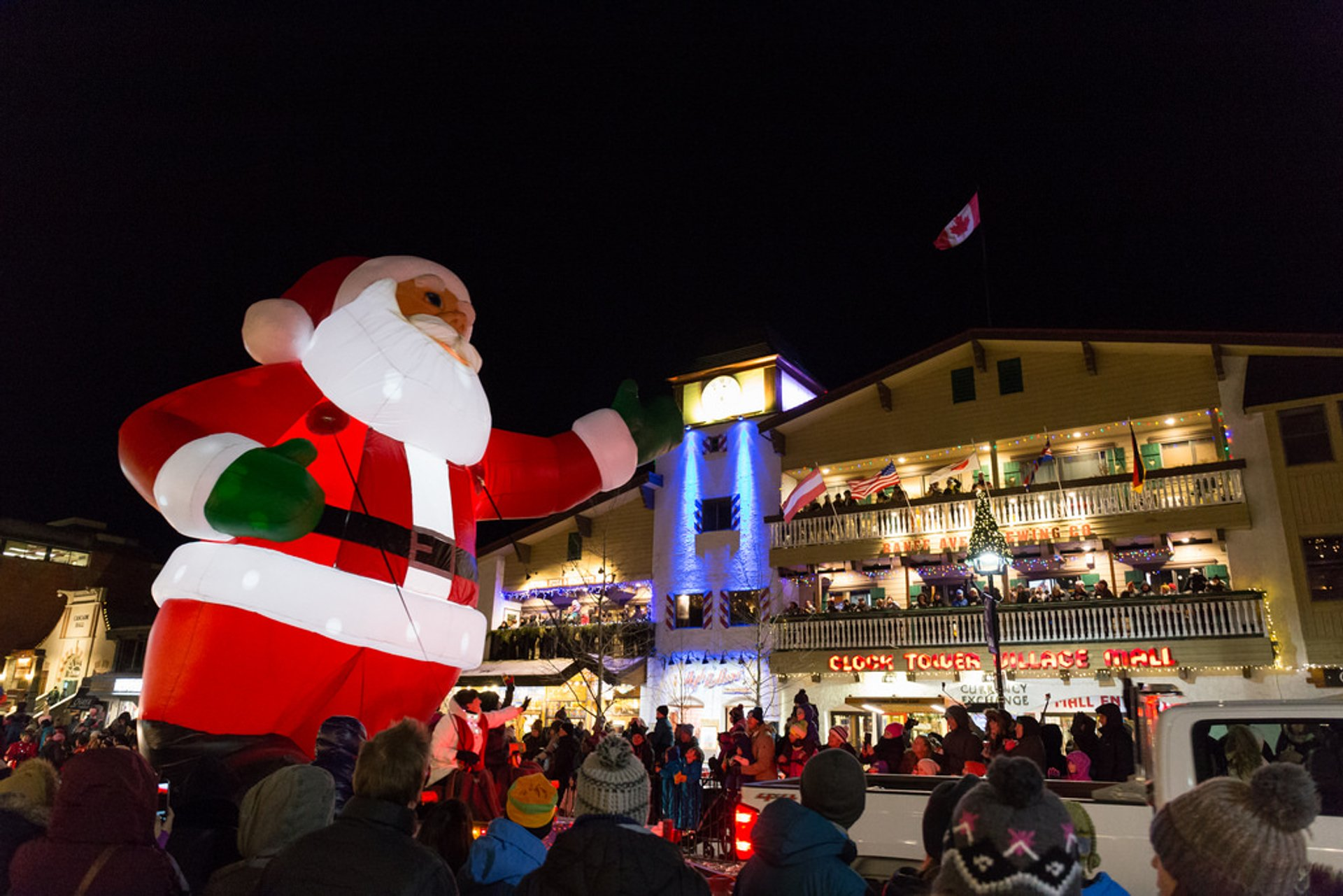 Christmas Parades Near Me 2019.Santa Claus Parade Of Lights 2019 In Banff Jasper National