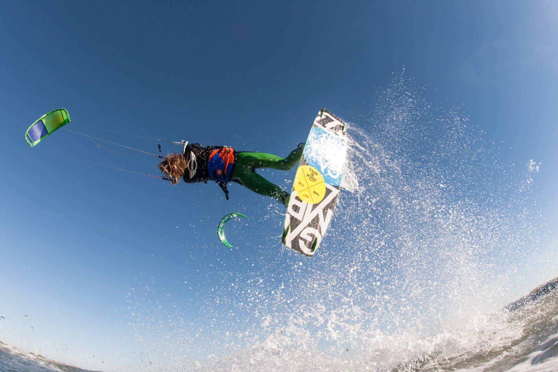 Kitesurfing and Windsurfing  in Barcelona 2020 - Best Time