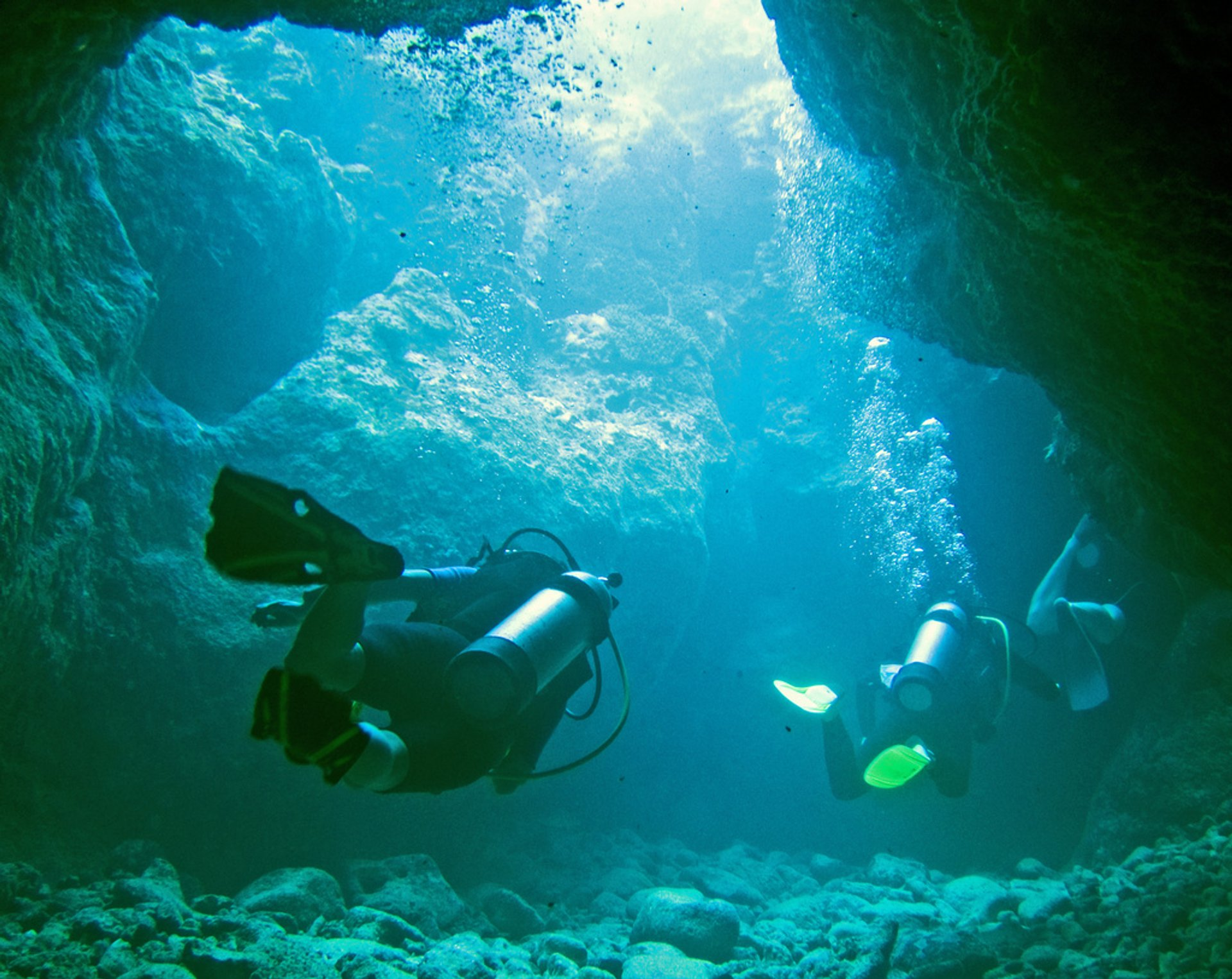 Swim through the Sunset Caves, Rarotonga 2020