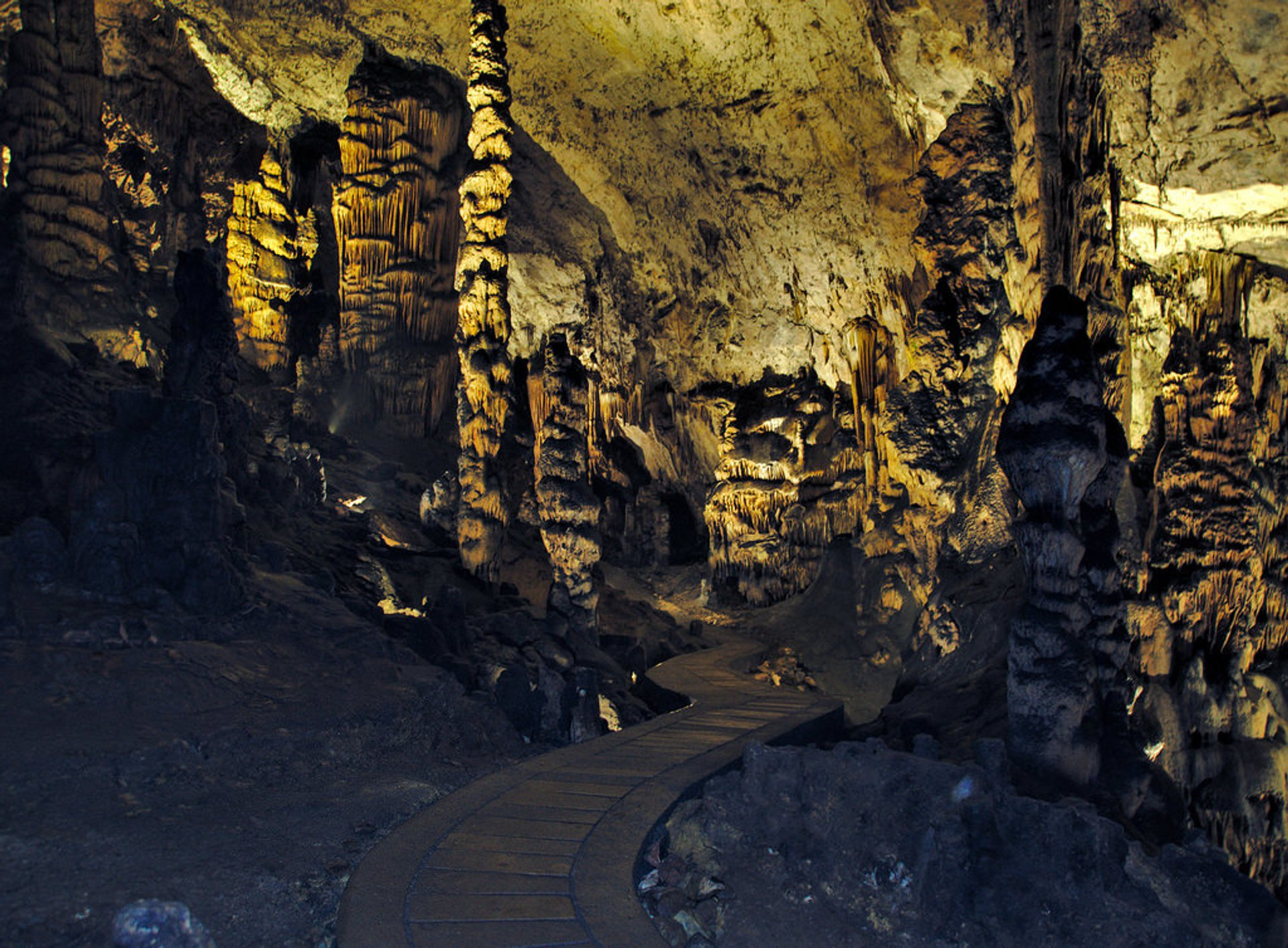 Aggtelek Caves in Hungary - Best Season 2020