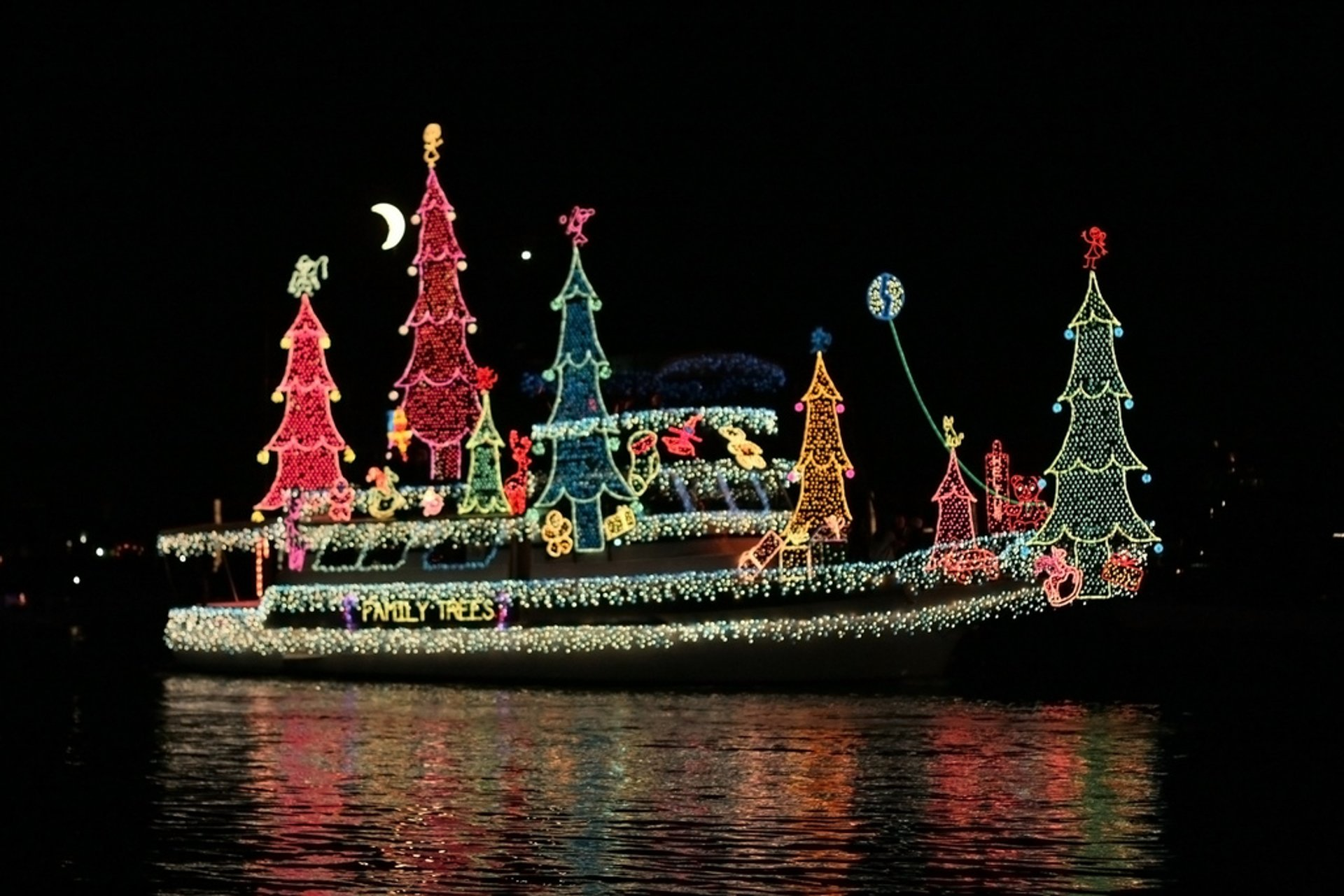 Newport Beach Boat Parade of Christmas Lights 2020