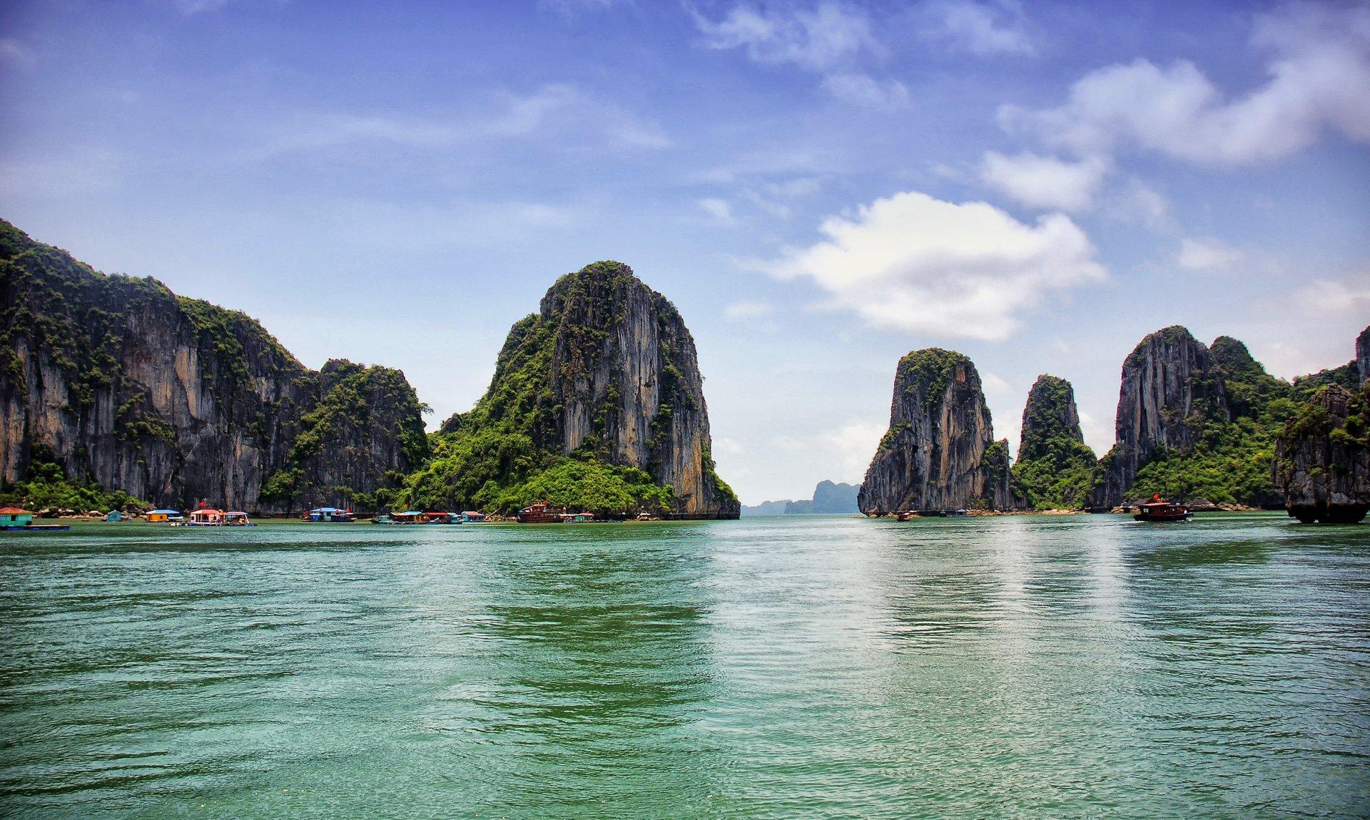 Ha Long Bay in Vietnam 2019 - Best Time