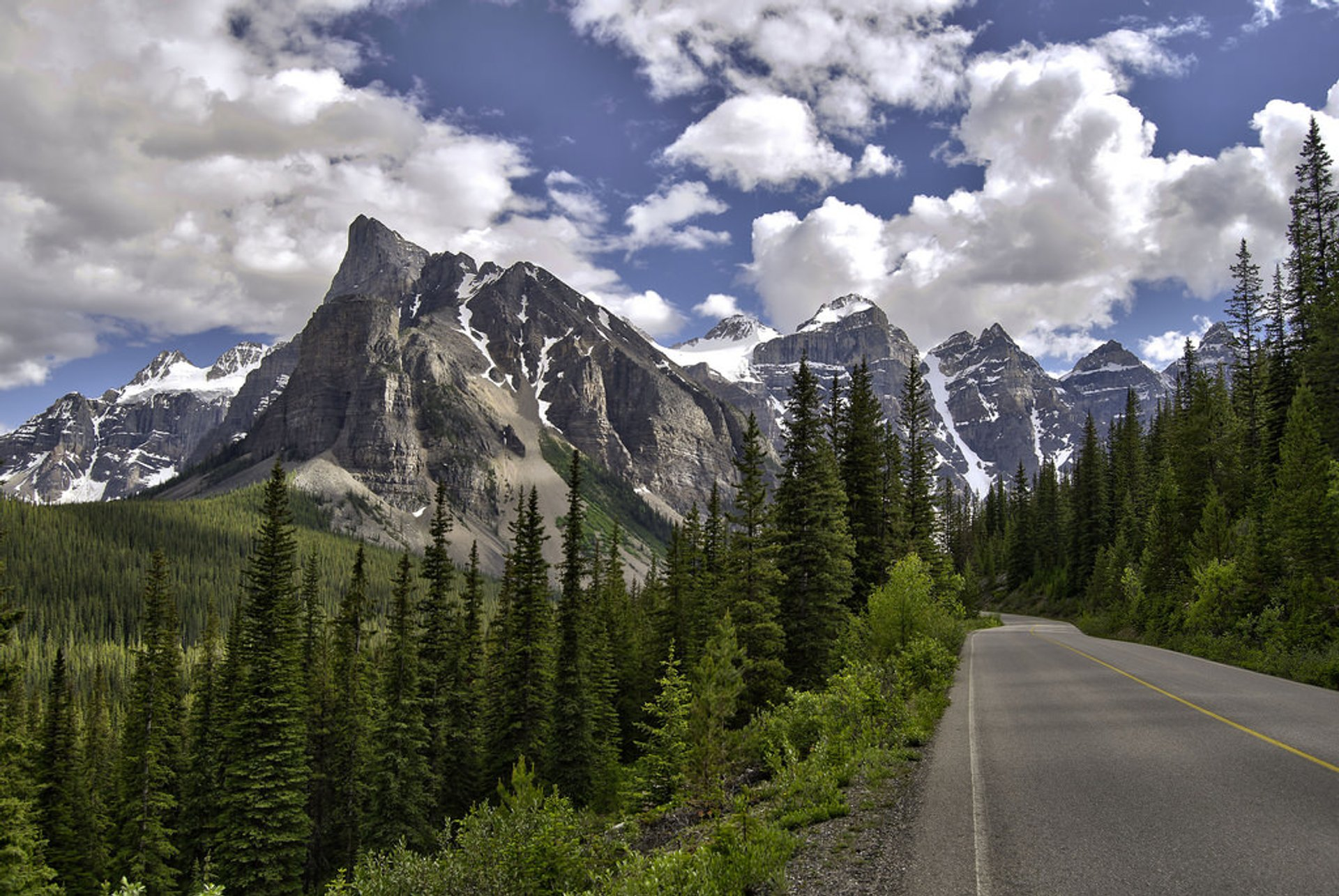 Mountain road to Moraine Lake 2019