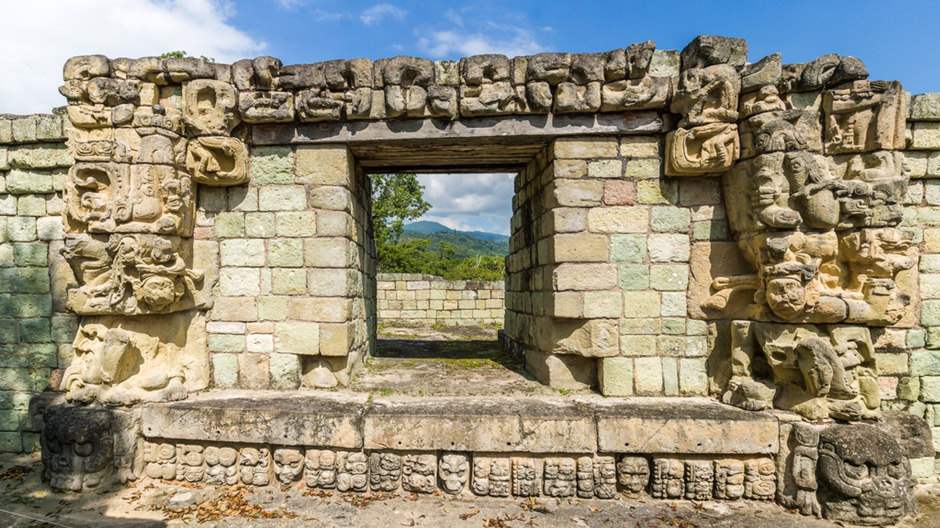 Best time to see Mayan Ruins in Copán in Honduras