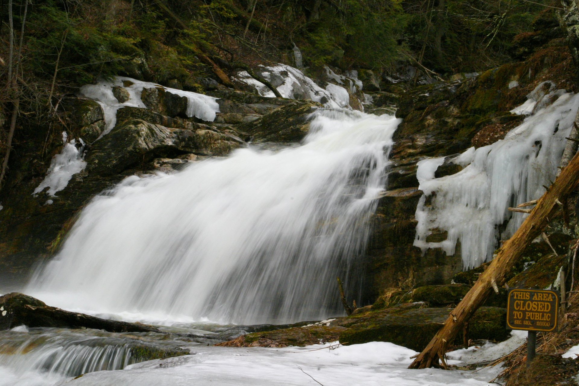 Best Time To See Kent Falls State Park In Connecticut 2021 Rove Me