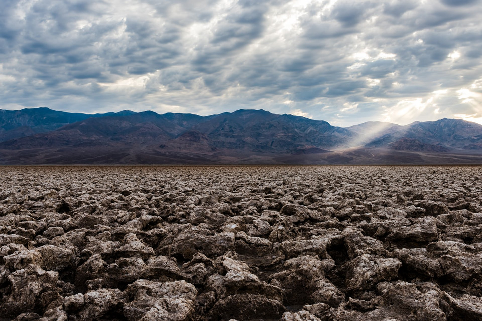 Best time to see Devil's Golf Course in Death Valley 2019