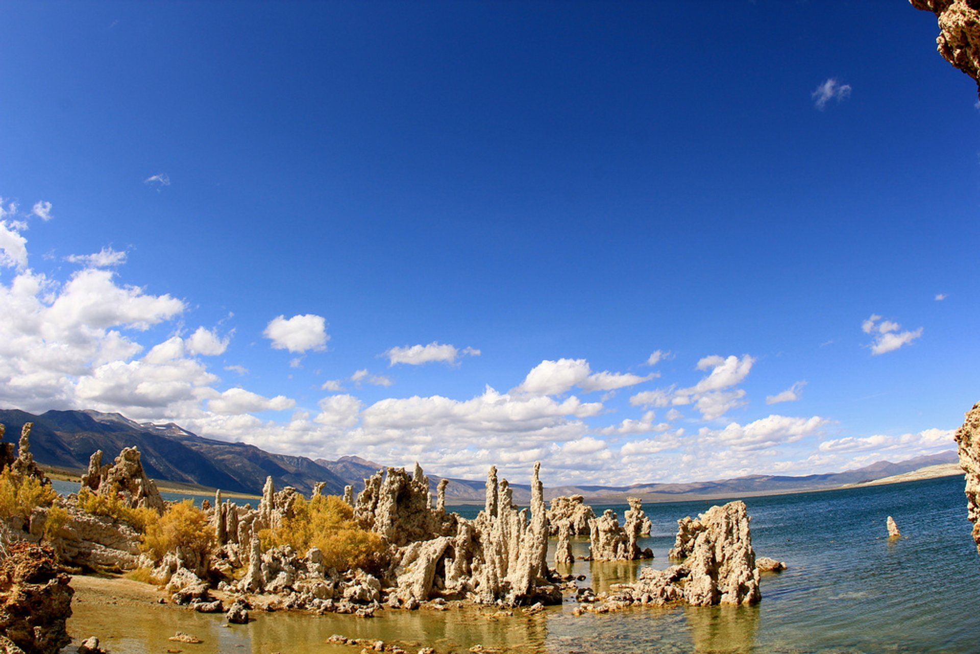 Best time for Tufa Towers of Mono Lake in California 2020