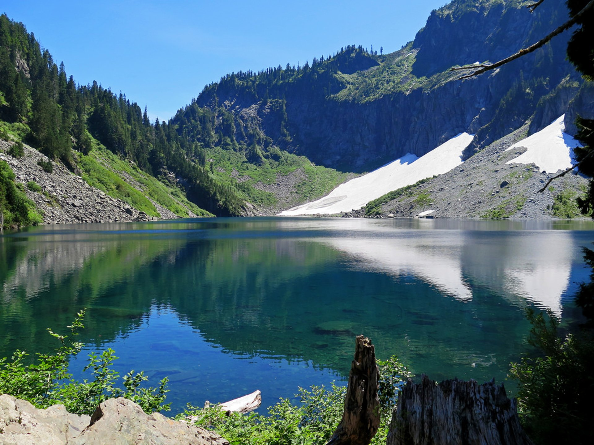 Best time to see Lake Serene & Bridal Veil Falls in Seattle 2020