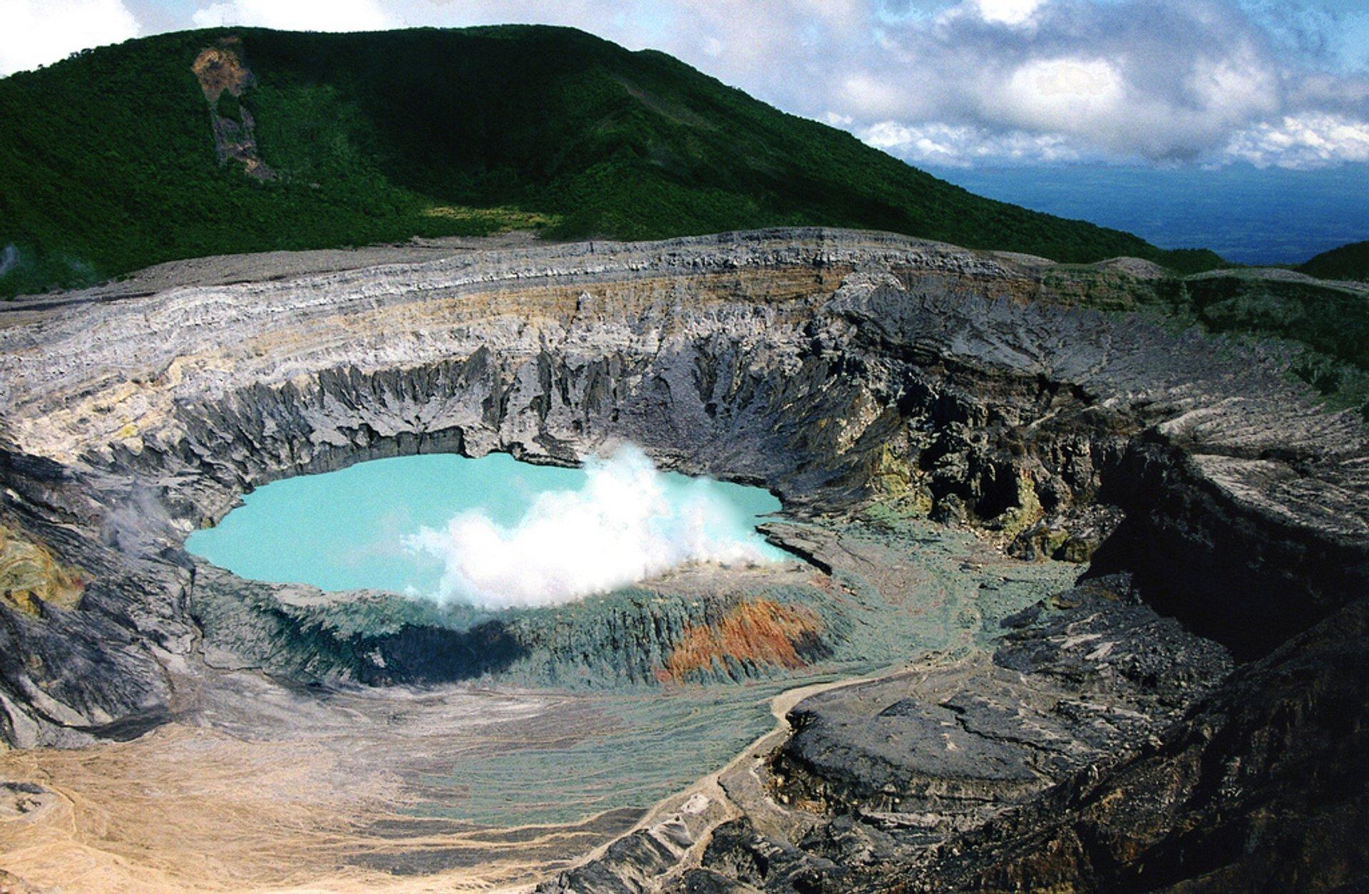 Poas Volcano in Costa Rica 2019 - Best Time