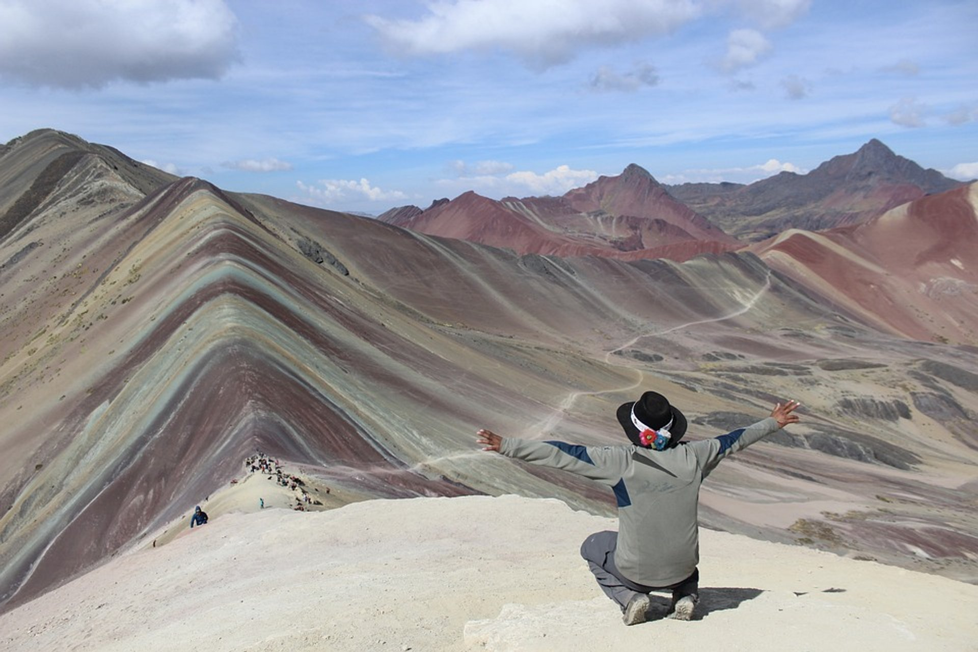 Hiking Rainbow Mountain in Peru - Best Season 2019