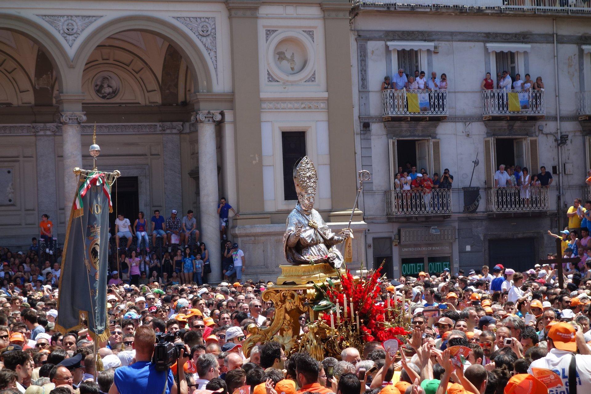 Festa dei Gigli in Nola in Naples and Pompeii 2020 - Best Time