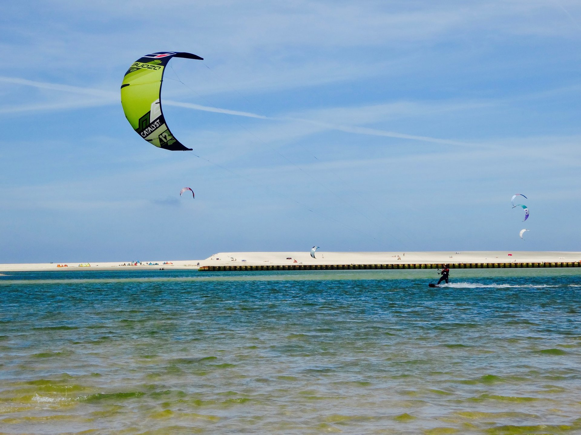 Kitesurfing and Windsurfing in Portugal 2020 - Best Time