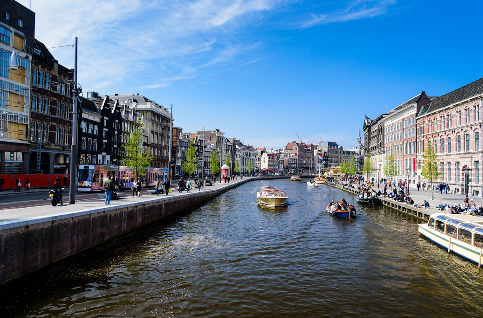 Canal Cruising in Amsterdam 2020 - Best Time
