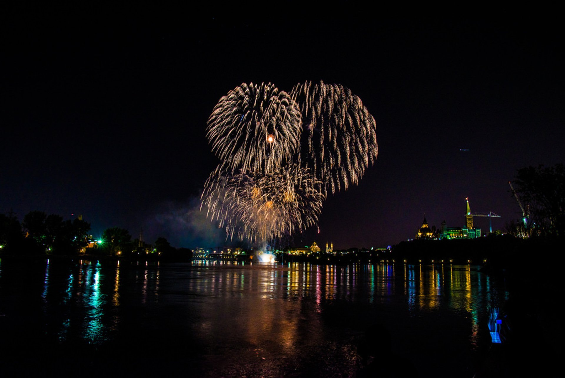 Casino du Lac‑Leamy Sound of Light Show in Ottawa 2020 - Best Time