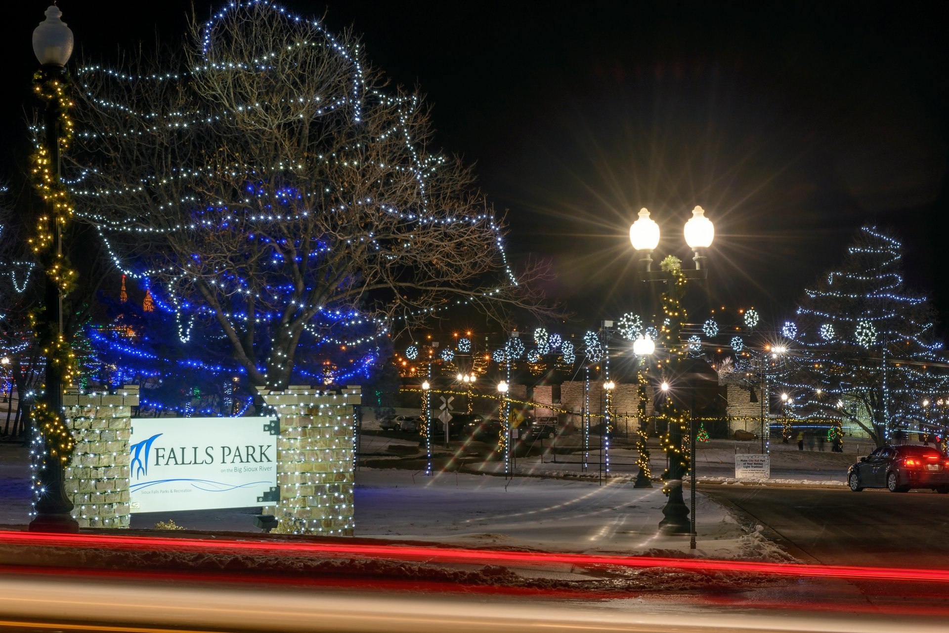 Best time to see Winter Wonderland at Falls Park 2020