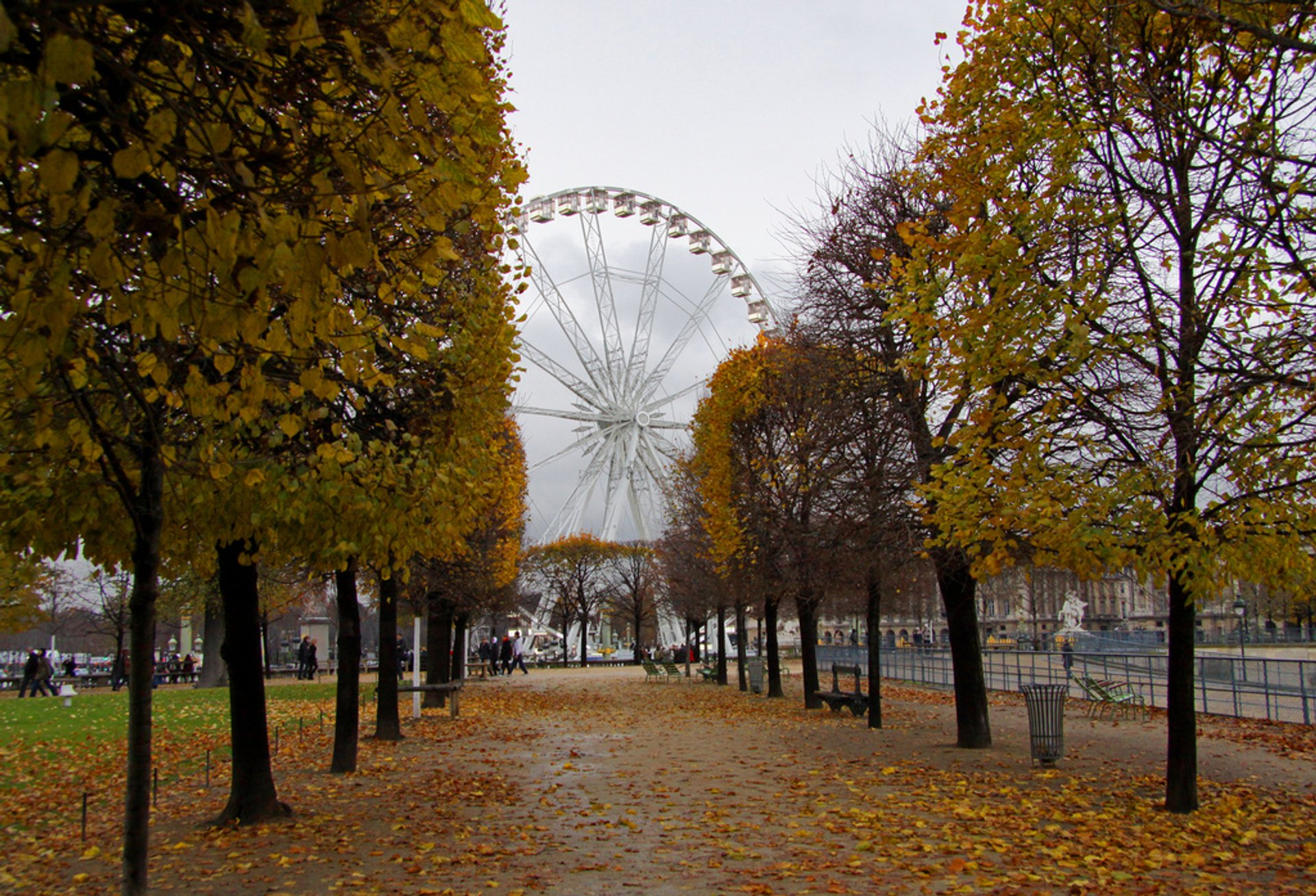 Autumn in Paris - Best Season 2020