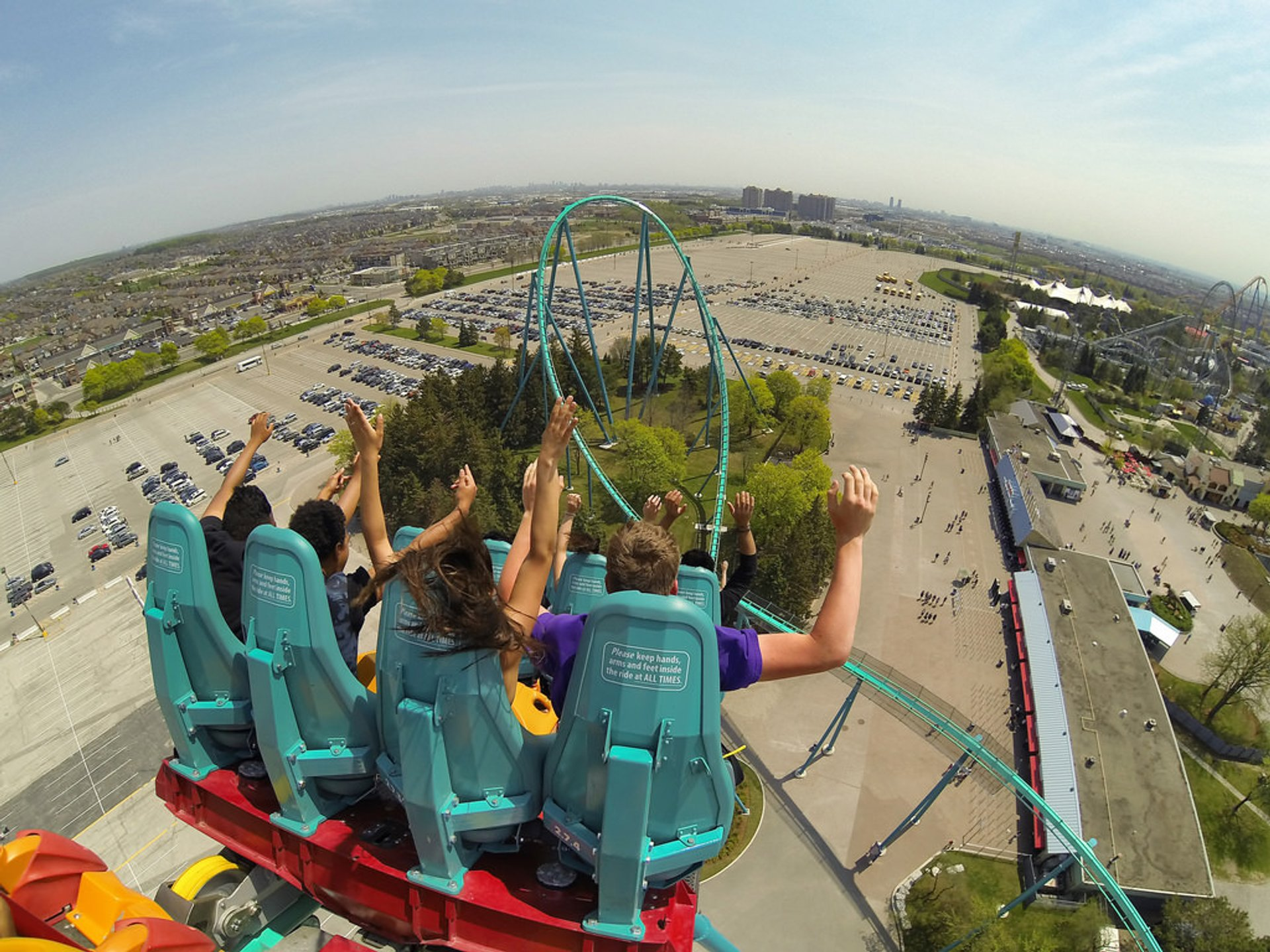 Canada's Wonderland in Toronto - Best Time