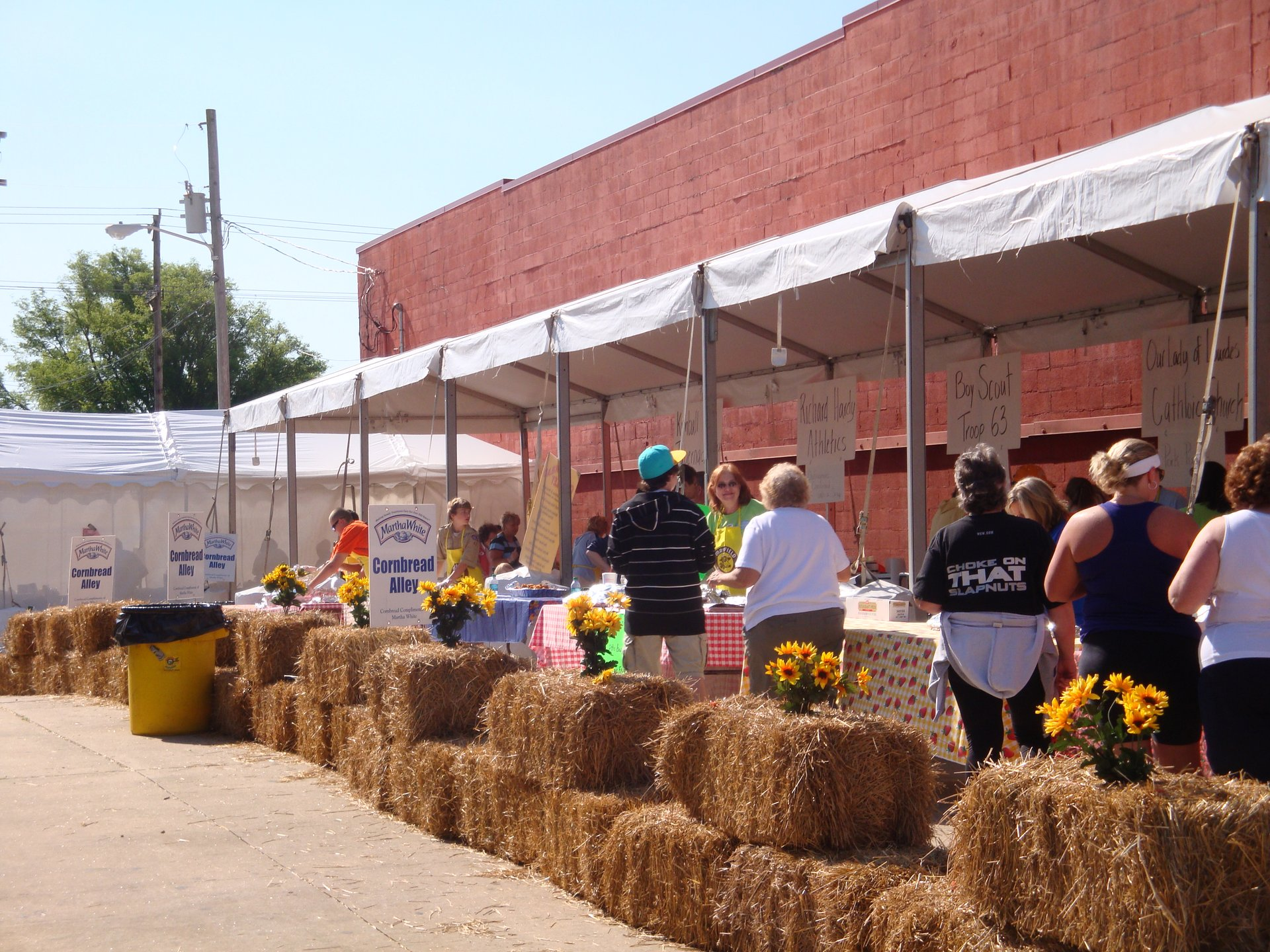 Best time to see National Cornbread Festival in Tennessee 2020